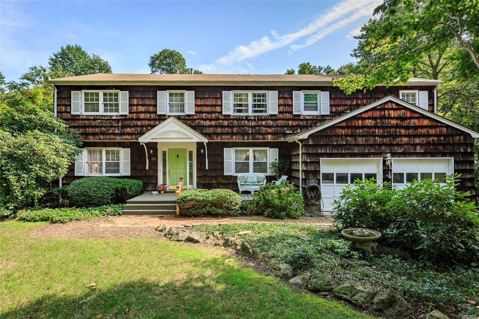 New To Market! Large Colonial Featuring 6 Bedrooms, 3.5 Baths On Half Acre- Quiet Mid Block W/In Ground Pool! Entry Foyer, Eik W/Granite, Formal Dining, Den W/Fpl, French Doors To Living Rm. Master W/Bath. Enjoy The Day Relaxing By Your Pool In Nature Lovers Backyard Or Take A Walk To The Beach To Enjoy Swimming, Sunbathing, Sailing, Kayaking & Breathtaking Sunsets!!Private Beach & Mooring W/Assoc Membership. Come Own A Piece Of Paradise!! Opportunity To Update & Make Your Dream Home!