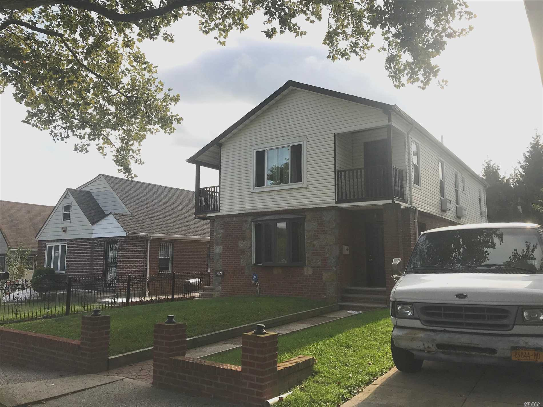 Modern Sunny And Bright Spacious 3 Bedrooms 2 Baths Rental On 2 Floor With Private Entrance. Updated Kitchen And Baths. Spacious Living Room With Hardwood Floors And Sky-Lites. 2 Balconies. Windows In All Rooms. Pets Okay. School District 26.