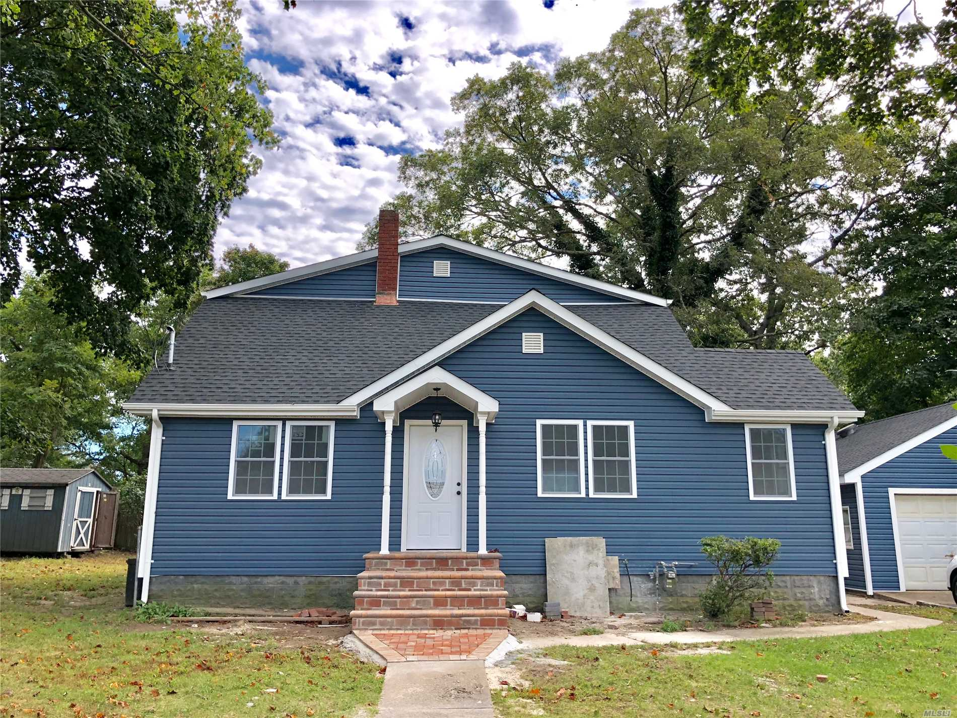 This Beautifully Renovated House Features A Brand New Kitchen, 6 Bedrooms, 3 Bathrooms, Living Room, Dining Room And A Full Basement.