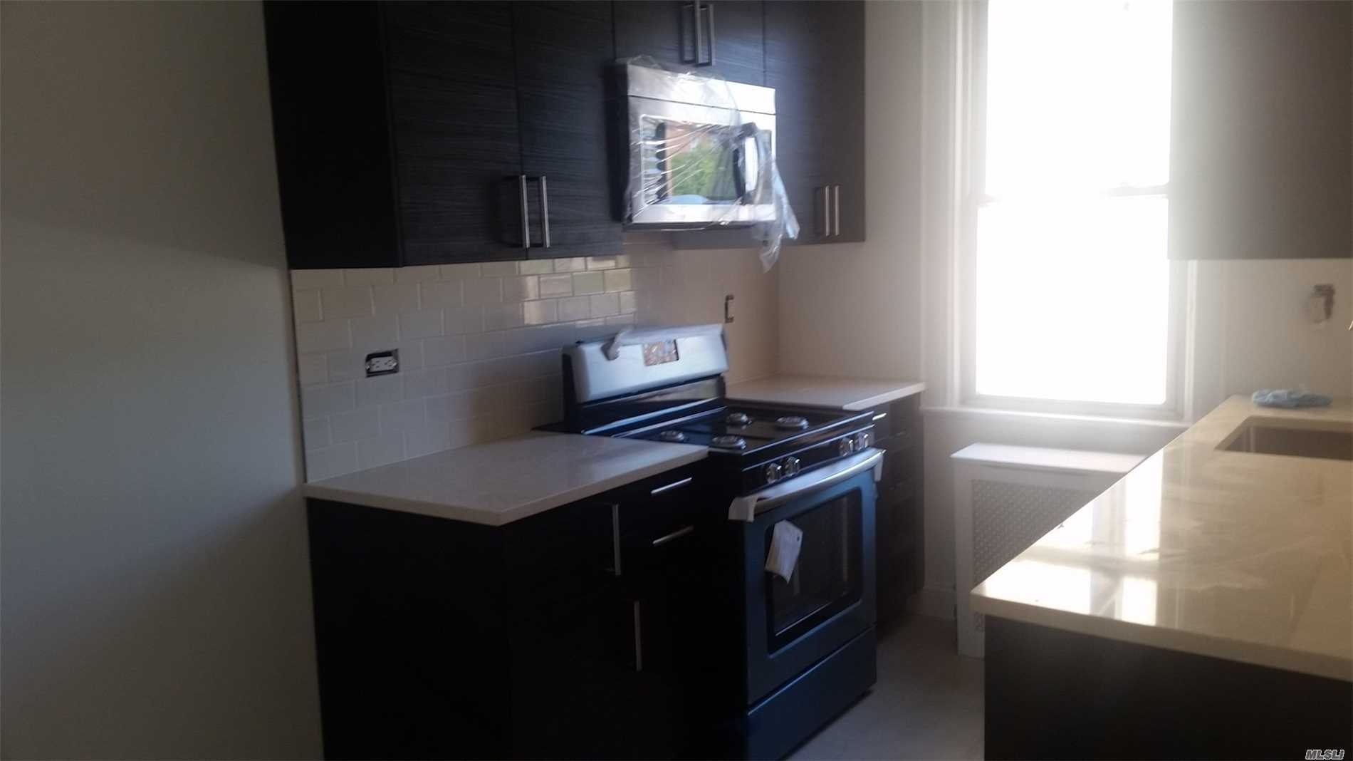 2 Bedroom Apartment, Hard Wood Floors, Eat In Kitchen And Stainless Steel Appliances