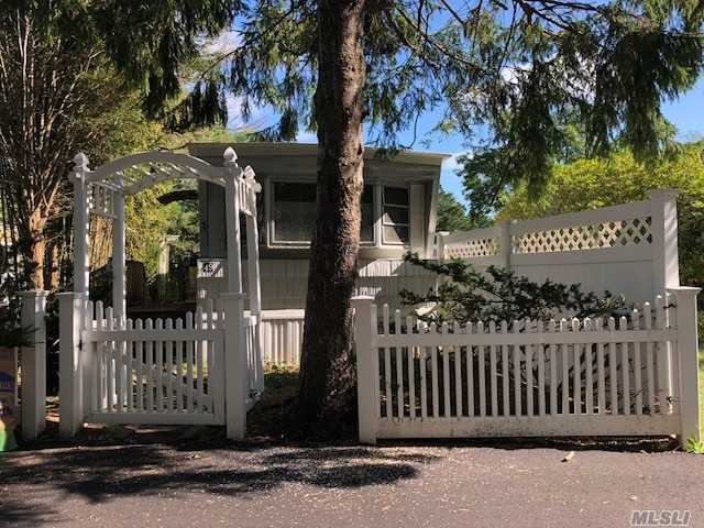2 Bedroom Mobile Home. Close To Beaches & Villages. Whb Schools. Owner Occupied Only.