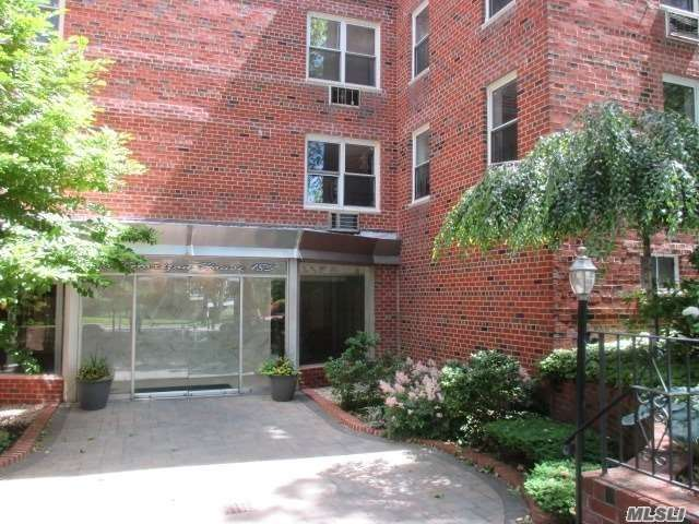 One Bedroom Apartment. Convenient To Transportation And Shopping. Quiet Location,  Washer/Dryer On Same Floor As Apartment.New Stove.Outdoor Parking Lot, Wait List For Garage