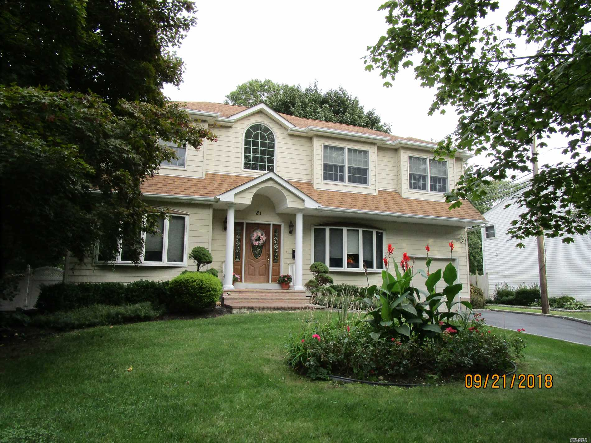 Beautiful Colonial Style Home With 3 Bedrooms And 4 Full Baths. Second Story Was Built In 2005. Open Floor Plan, Updated Windows, Large Foyer, Entertainers Dream Home. Generator.