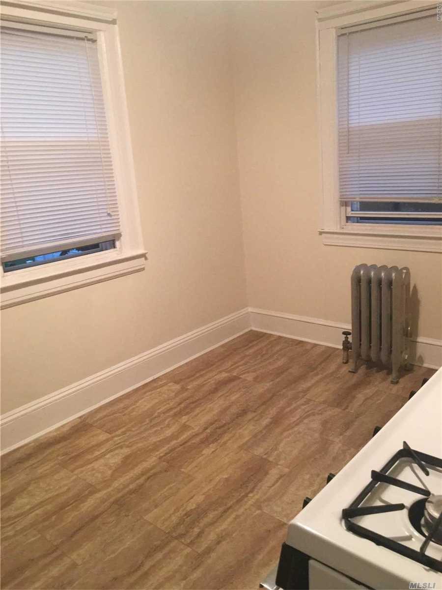 Beautiful One Large B/R With A Large Bath And L/R Mint Condition All Hard Wood Floors , 5 Minutes Walk To Lirr Quick Access To Brooklyn, And Queens Also Kennedy Airport Washer Dryer And Parking On Premises M Lirr Steps To Shopping
