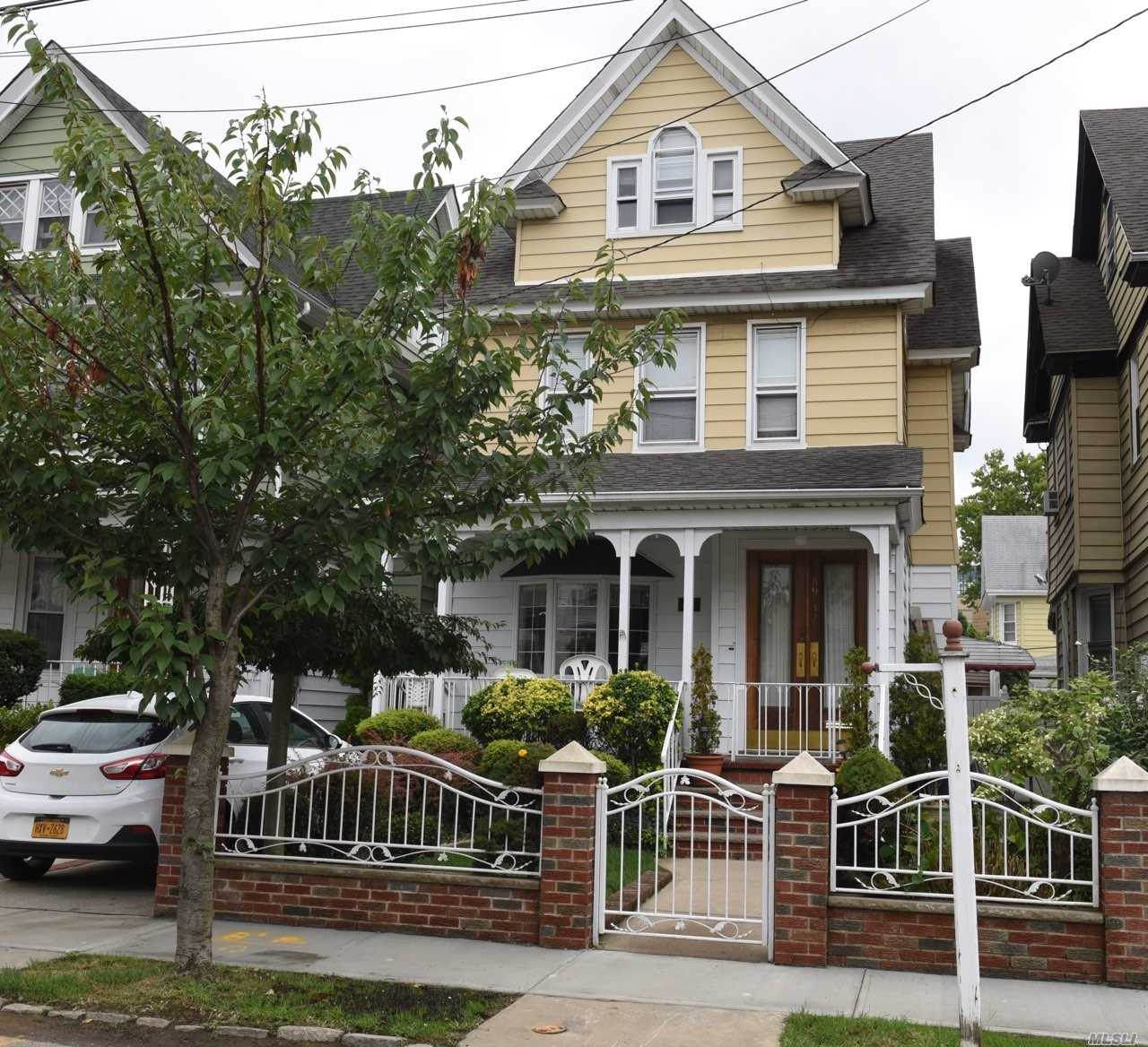 Mint Condition Det-2Fam, With Brand New Boiler, Polished Hardwood Flrs, Modern Kit On 1st Flr, Granite Tops, New Appliances. Brand New Kitchen On 2nd Flr, Granite Tops, New Fixtures/Appliances(Never Used). F/Bsmt Studio With Wet Bar! All Mint Condition. Just Move In And Start Cooking!!!!