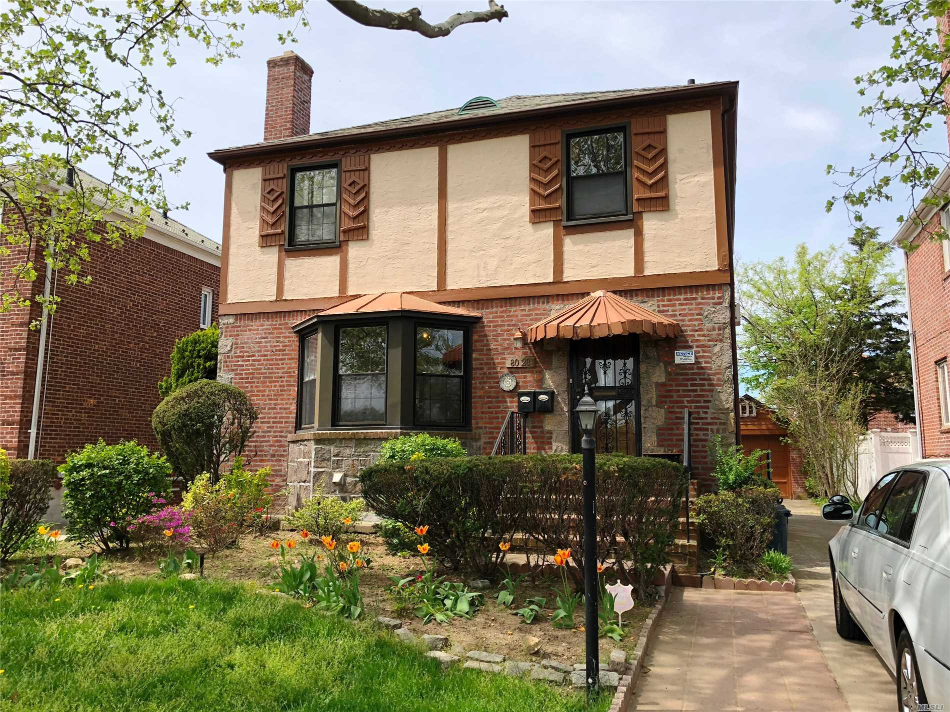 Beautifully Well-Kept 3 Bedroom, 2.5 Bath Home Rental In Jamaica Estates. Features A Spacious Backyard With A Lovely Deck Where You Can Enjoy Your Morning Coffee Or Dine Al Fresco. This Home Is Ideally Located In School District #26 And Zoned For P.S. 188. Amazing Views Of Cunningham Park And Close To Buses, Shopping And Restaurants.