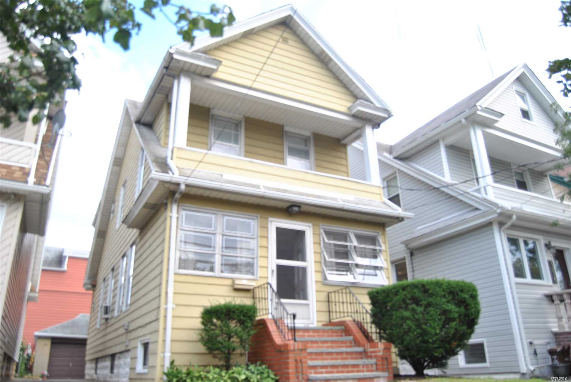 Beautiful Liberty Heights Area Of Ozone Park, Walk To A Train, 10 Min To Jfk, And Every Conceivable Convenience. Great Potential, Spacious And Bright Home. Nice Large Backyard. Great School. 2 Car Garage And A Wide Enough Pvt. Parquet Hardwood Flooring On Carpet. Two Car Garage And Private Driveway. Only Bonafide Buyers Need Apply. Say Hello To A Good Buy! House Sold As Is!!