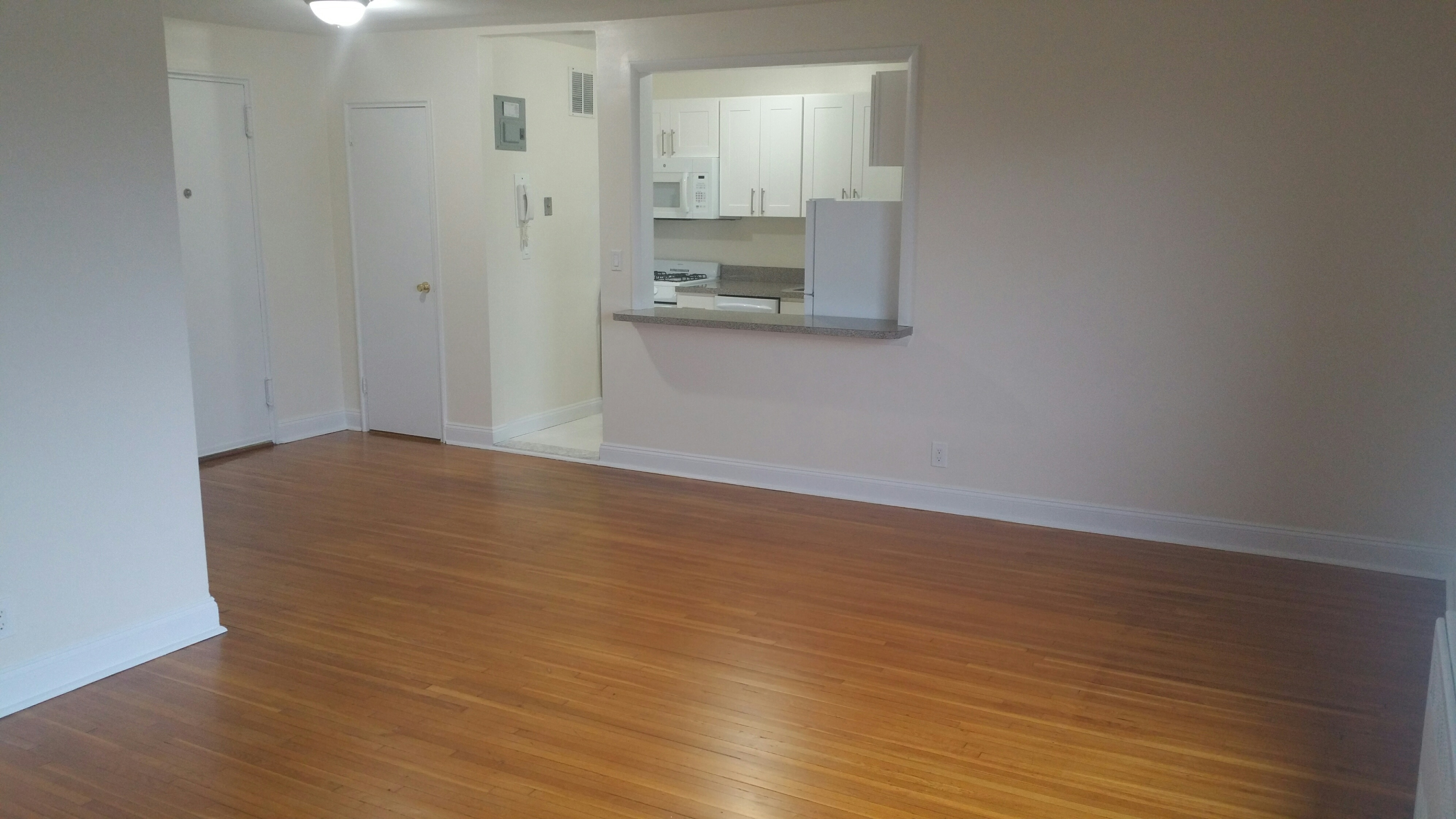 Well kept elevated property- Large sunny immaculate huge 2 room studio style layouts with many custom features This rental features shimmery hardwood, updated kitchen and bath, heat incl, laundry on site, and close proximity to metro north. Well maintained  immaculate property.
