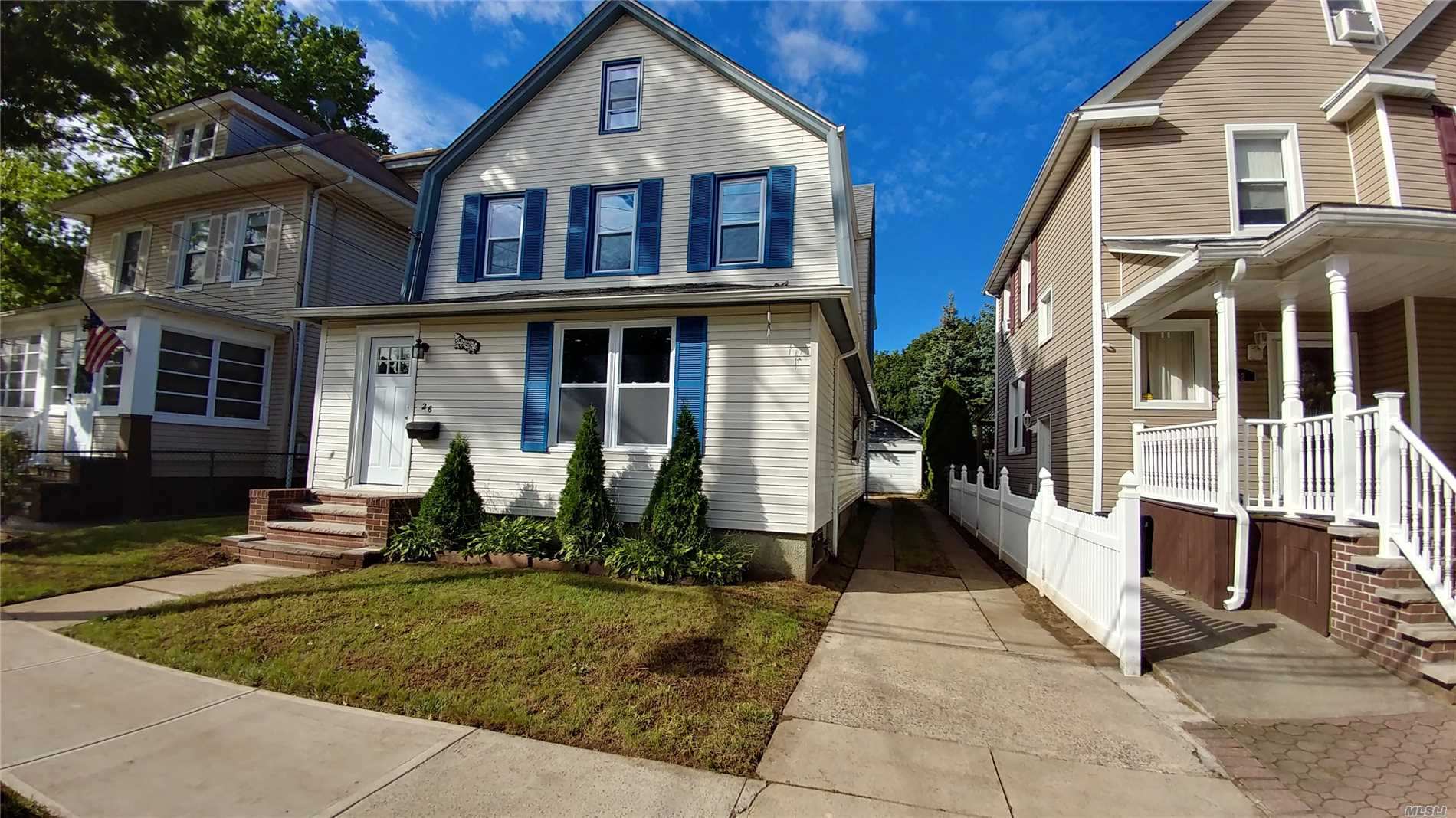 Welcome To Beautiful Floral Park. If You Are Looking For Move In Ready Home, Then Don't Look Any Further. This Newly Updated House Is Spectacular. The Bedrooms Are Spacious. The House Is Walking Distance To Lirr, Village, Restaurants And Elementary School. This House Is Just Waiting For You To Call It Home.