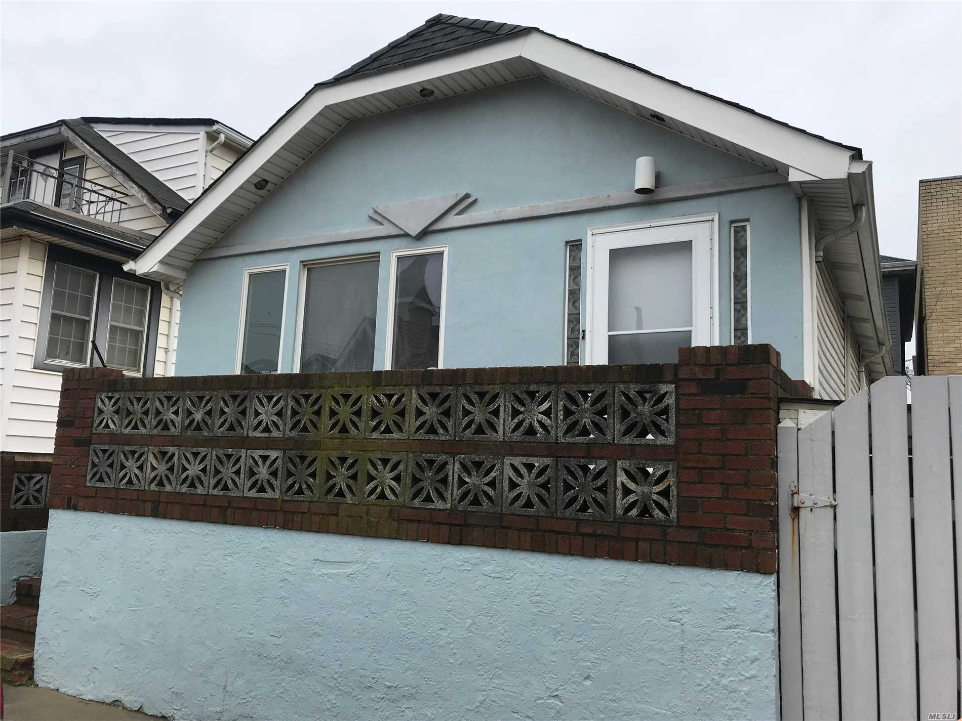 Whole House Rental In The West End Of Long Beach, Cathedral Ceilings. Open Airy Floor Plan, Eff Kitchen, Living Rm/Dinette, Bedroom, Bedroom, Full Bath W/ Tub And Stall Shower,  Washer/Dryer, Attic, Dog Run Around House. Attic Pets Welcomed