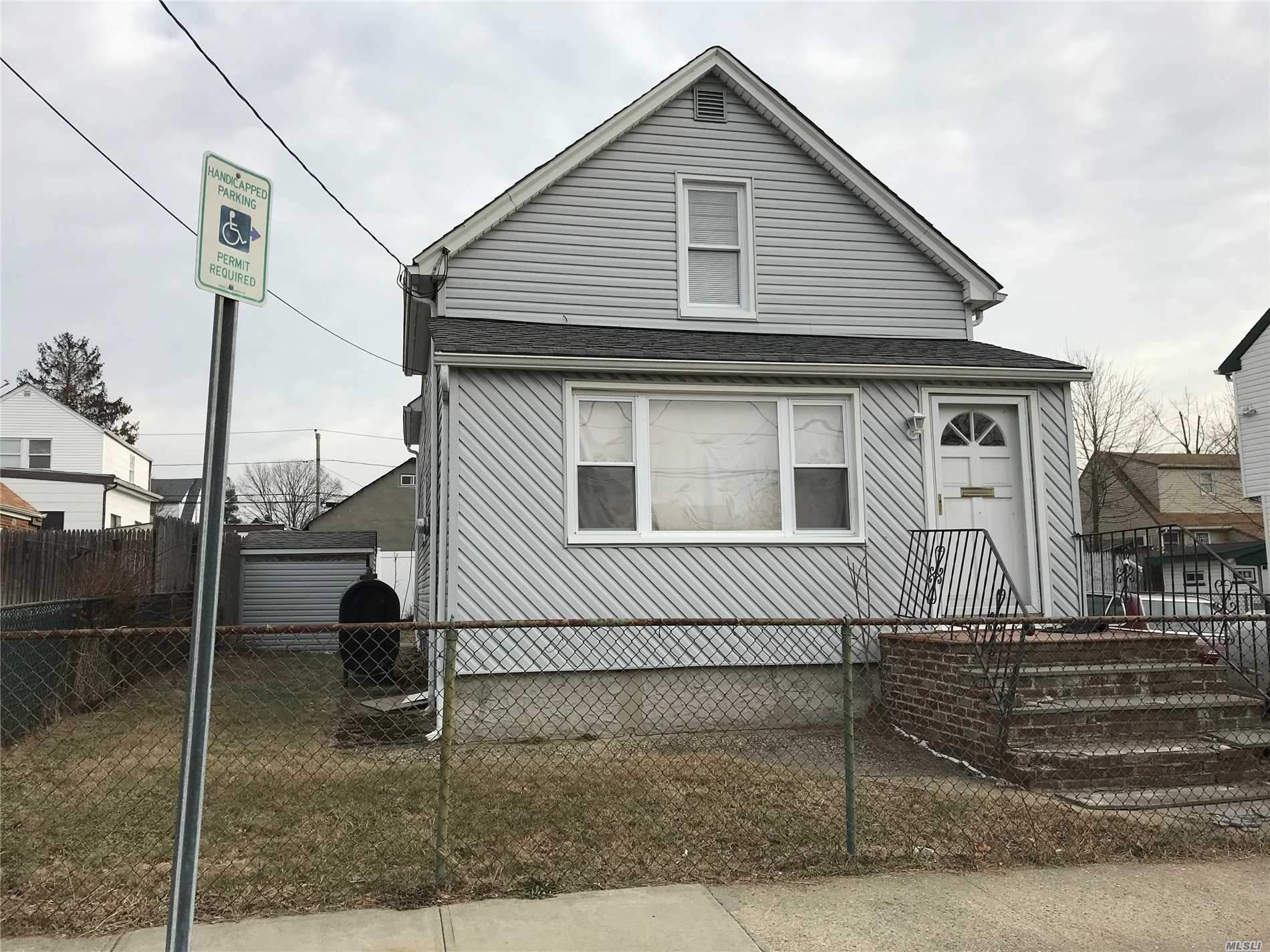Home In Poor Condition.No Financing! Cash Deals Only!! Short Sale Subject To 3rd Party Approval
