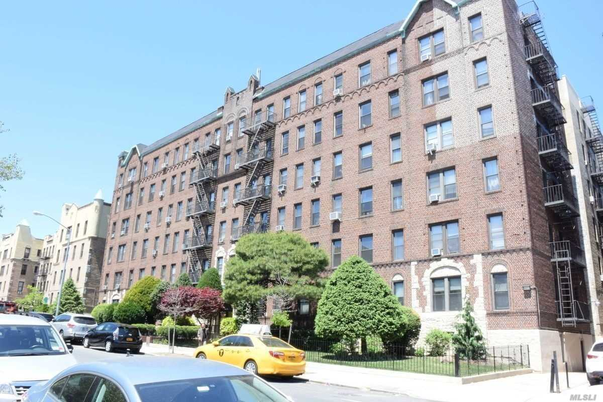 Fully Renovated Large 1 Bedroom Apartment In A 6 Story Building, Plenty Of Natural Sunlight, Eat-In Kitchen, Stand Up Shower, Laundry In The Building, Close To Stores And Public Transportation.