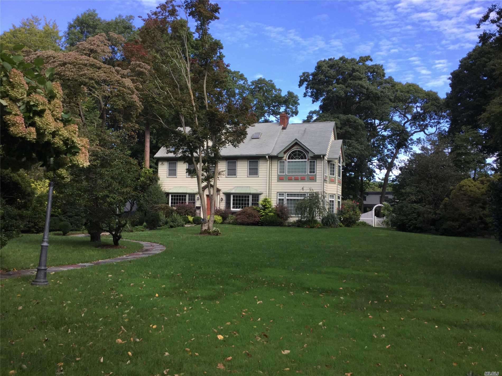 Custom Colonial On 1 Acre Landscaped Property W Lg Eik And Sunken Familt Rm W/ Cathedrial Ceiling Overlooking Lush Huge Yard.
