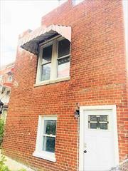 Beautiful Single -Family Home In The Williamsbridge Area Of Bronx. This House Has Been Fully Renovated, With New Appliances, Heating, Plumbing And Roof. Suitable For A 1st Time Home Buyer. Very Close To The 2 & 5 Train.