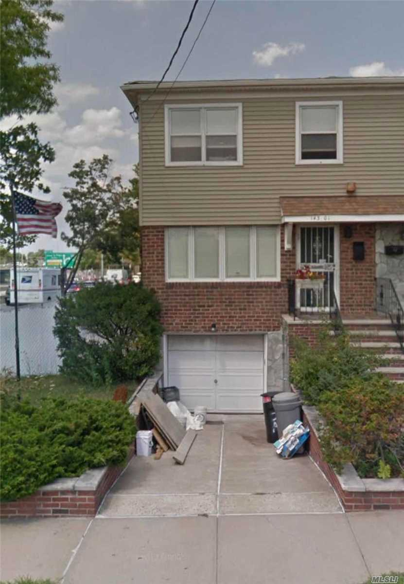 Newly Renovate It 2-Year Ago Close To Supermarket And Bus To Flushing