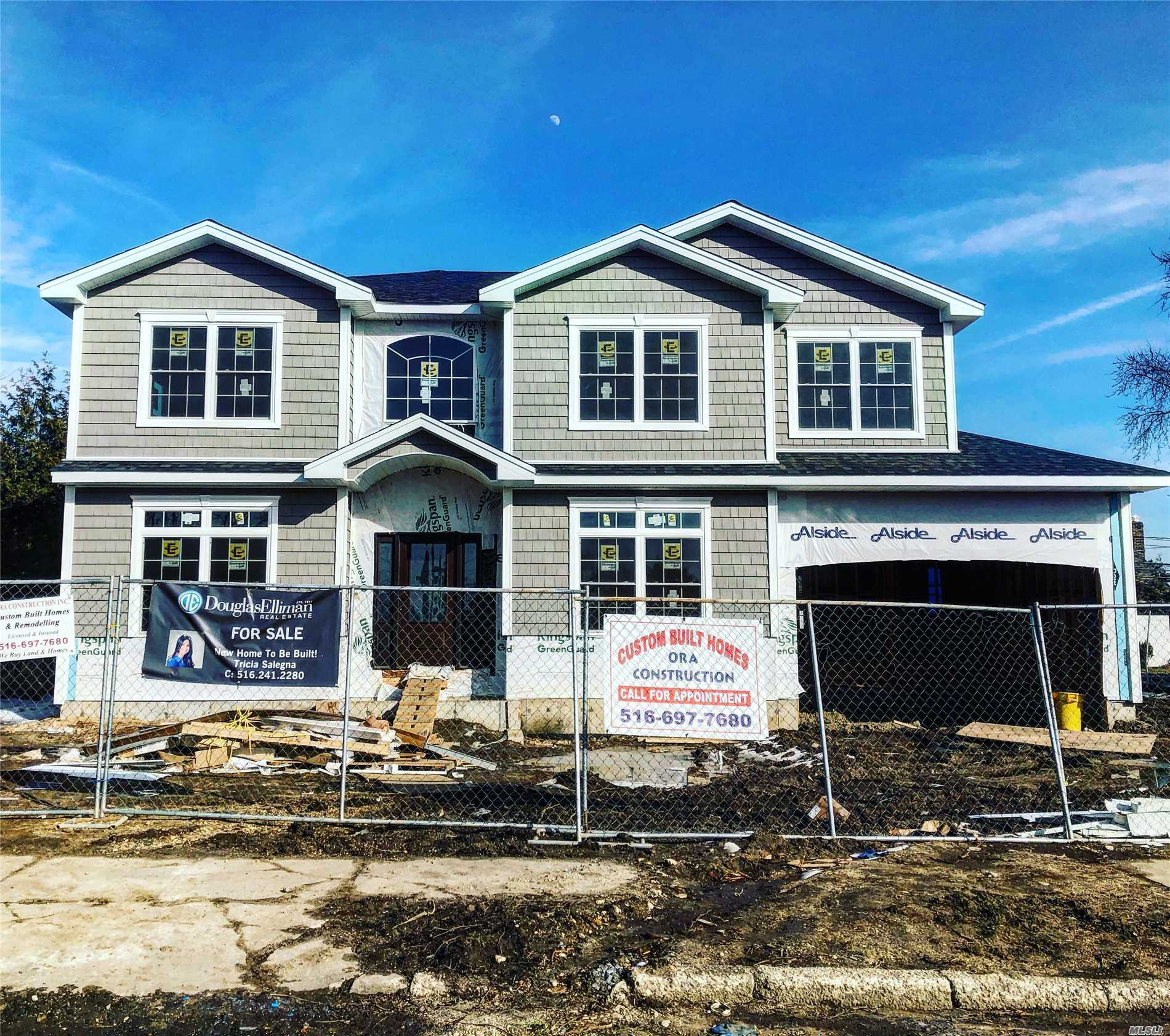 New Construction Being Built! This Home Features Dramatic 2 Story Entry Leading To Open & Spacious Layout W/Custom Eik W/Gas Cooking & Oversized Granite Island. First Floor Also Includes Junior Master, Full Bath, And Mud Room. 9 Foot Ceilings On First Floor. 2 Car Garage. Second Floor- Stunning Master Ste W/Lux Full Bath & Lg His And Her Closets. Three Bdrms & Fbth. Exquisite Finishes & Superior Craftsmanship! 9' Ceiling Basement. Robbins Ln Elem. Time To Customize! Ready Spring 2019!