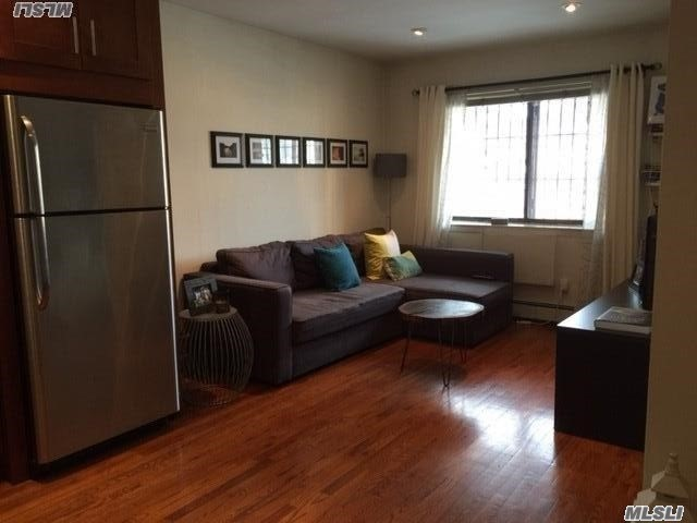 Beautiful 1Br Apartment, Full Bath, Open Concept Dining/Living Area, Kitchen & Office. Wood Floors, Stainless Appliances. Excellent Location To Transportation, Shopping, And Highways. Parking Available For Additional Monthly Charge $200.