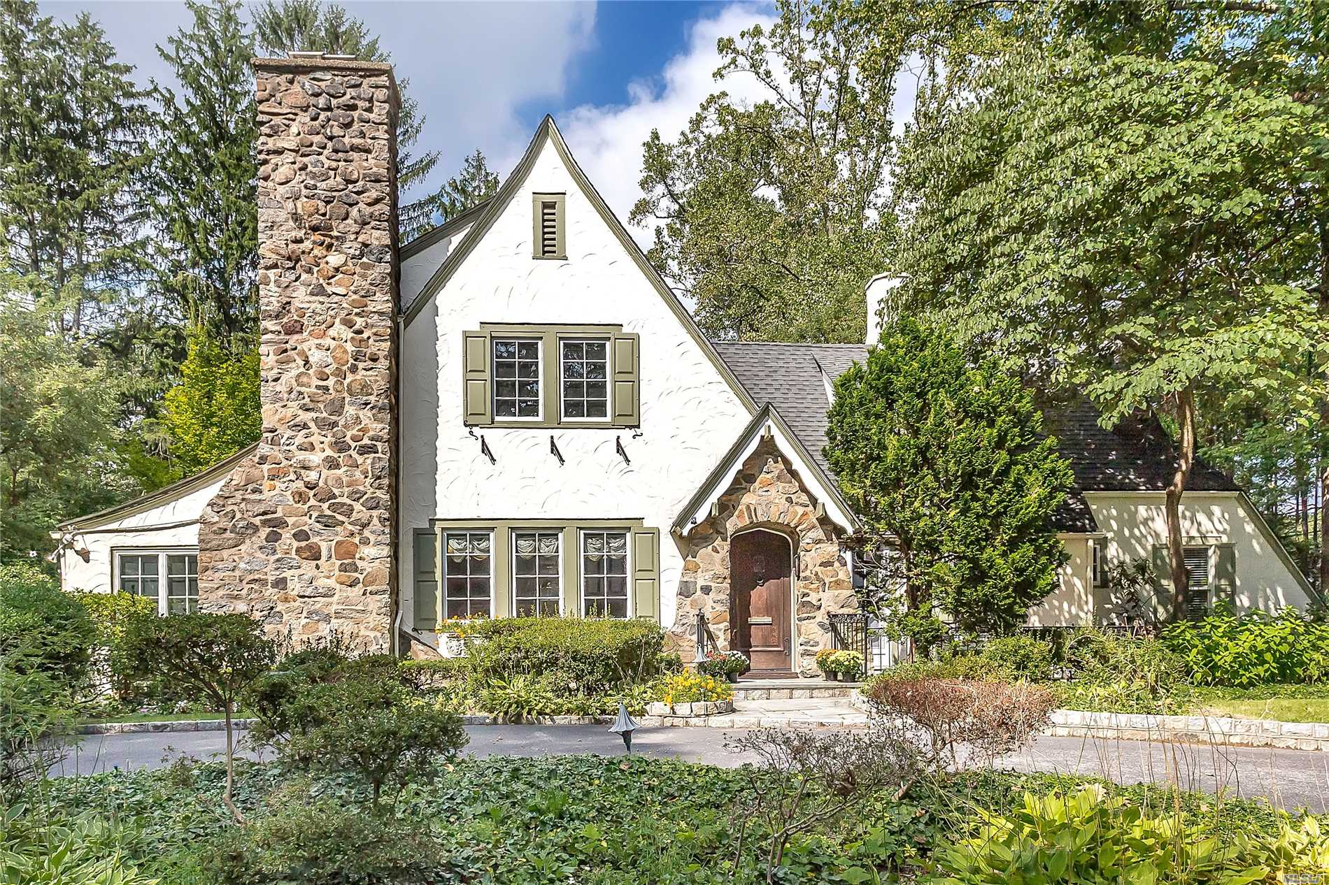 Welcome To This Beautiful, Sunny, Move-In-Ready Tudor Situated On Almost 1/2 Acre Of Property In The Prestigious Village Of Great Neck Estates. The Home Is In Close Vicinity To The Lirr, Has A Private Police Dept, Private Waterfront Park, Tennis & Pool Club.