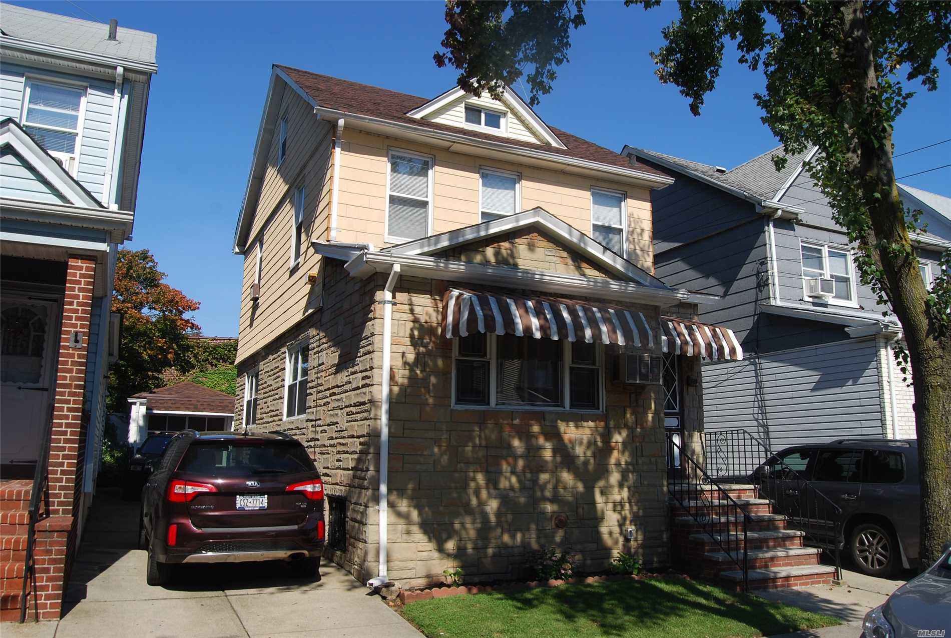 Beautiful Detached 2 Family, 1 Bedroom Over 1 Bedroom With Finished Basement, Driveway Can Fit 2 Cars Plus Garage And Private Yard , Near Shopping And Transportation. Will Be Delivered Fully Vacant