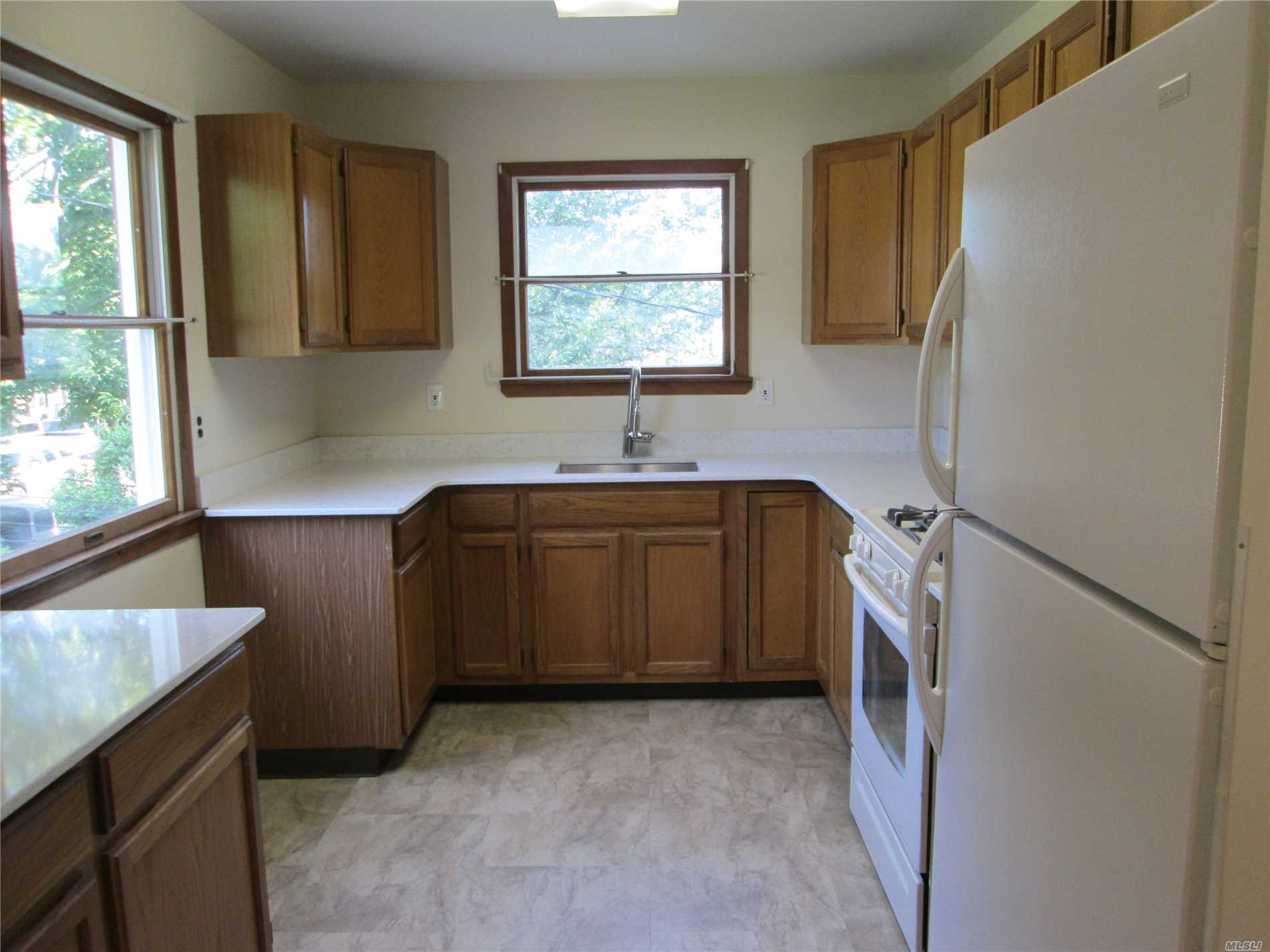 Immaculate 2 Bedroom Apartment Close To Shopping And Lirr. Plenty Of Storage. Separate Entrance. Off Street Parking. Please Note, Heat Is Included.Tenant Pays Cable And Electric. All Tenants Must Fill Out The Ntn Application Online. $25.00 On Credit Card.
