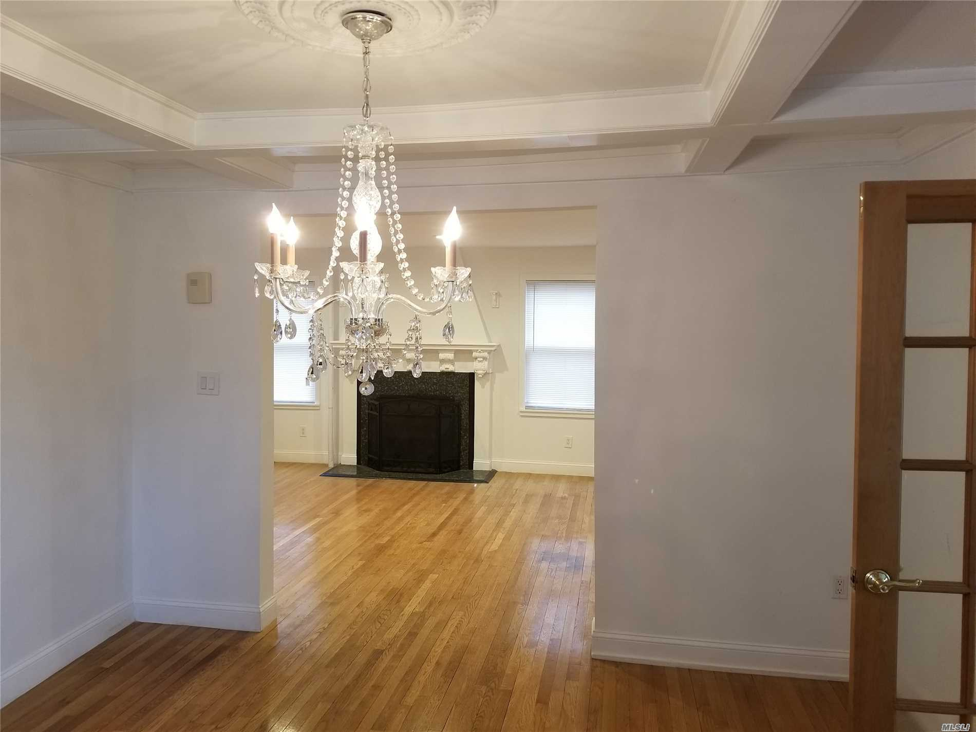***Location*** Entire Home For Rent. Walk To Lirr, Bus, Shopping, Entire Home Renovated, Everything ****New**** Hard Wood Floors, Huge Granite Eat In Kitchen With Radiant Heat, 3 Bedrooms, Huge Den With Radiant Heat, Huge Back Yard, Private Driveway, New Deck, New Appliances, Lynbrook Sd20 Award Winning Schools