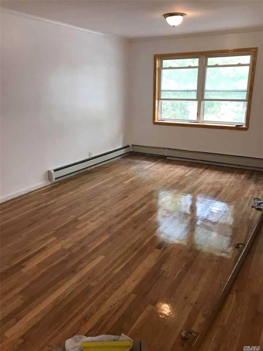 Newly Renovated 3 Bedrooms And 2 Full Baths Apartment In The Heart Of Whitestone. Large Living Room, Brand New Kitchen, Excellent School District. Near To Shopping And Buses (Q16 Qm20, Q76). Must See.