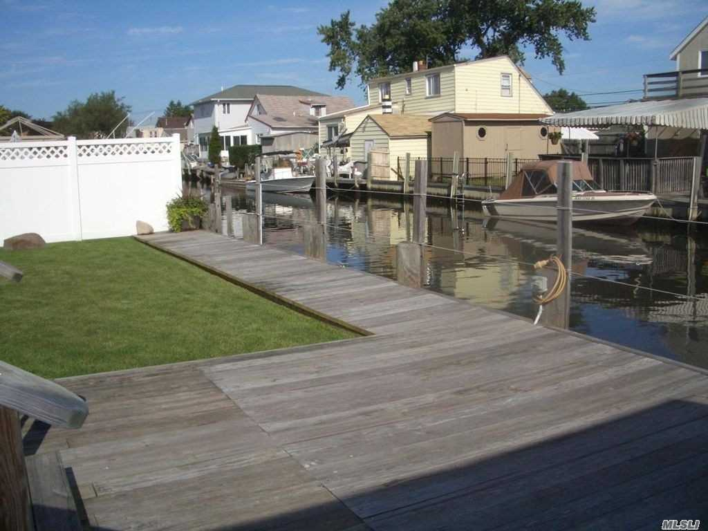 Waterfront Bungalow!! Whole House Rental And Boat Slip! Completely Renovated With Laundry! Bellmore Schools! Won't Last!