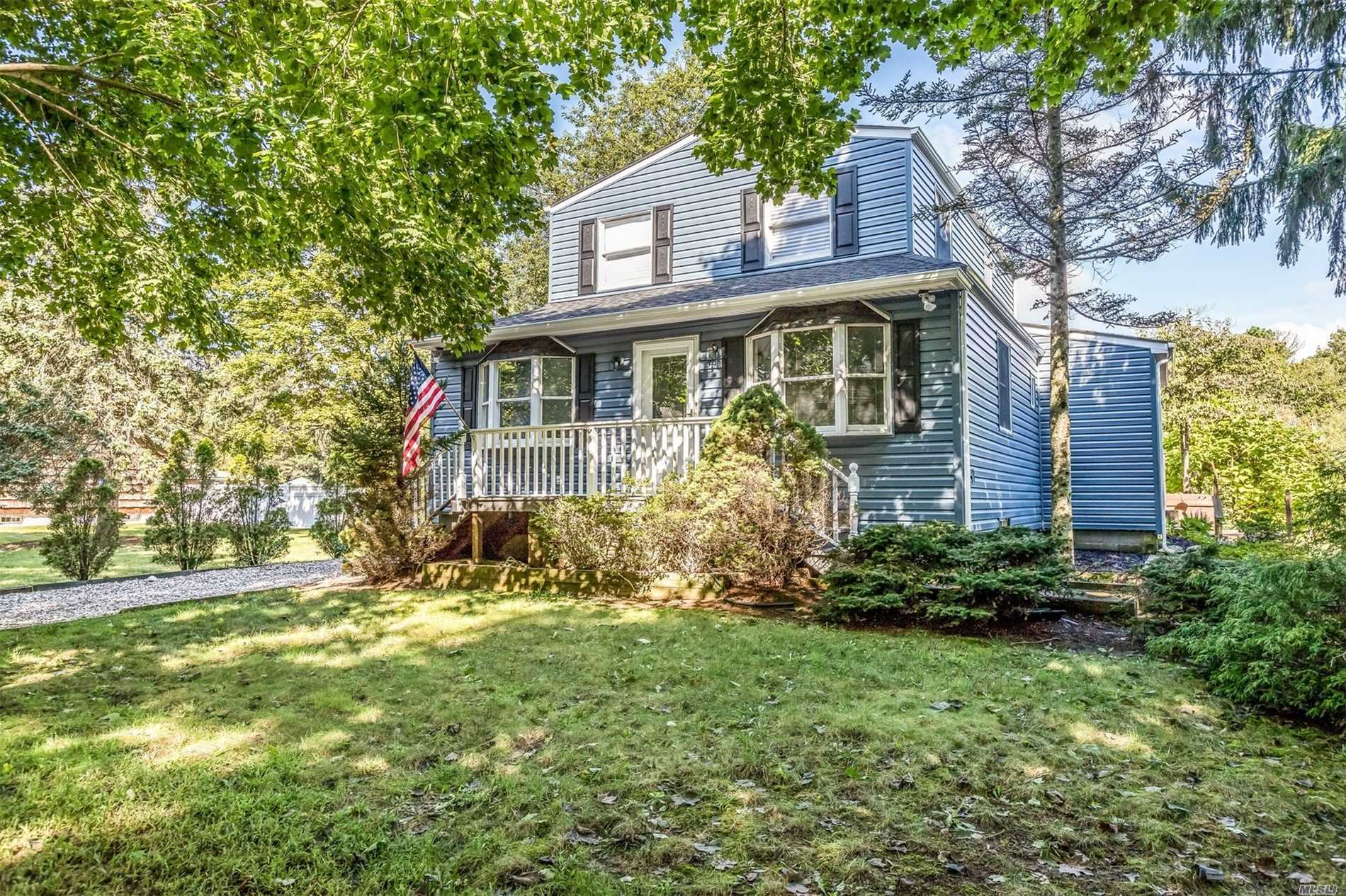 Completely Renovated 3 Bedroom 2 Full Bath Colonial Offers New Roof, Gourmet Kitchen With Granite & Stainless Steel Appliances, Huge 30X15 Family Room, New Siding, New Baths, Detached Garage & Basement. All Nestled On 85X300 Lot.