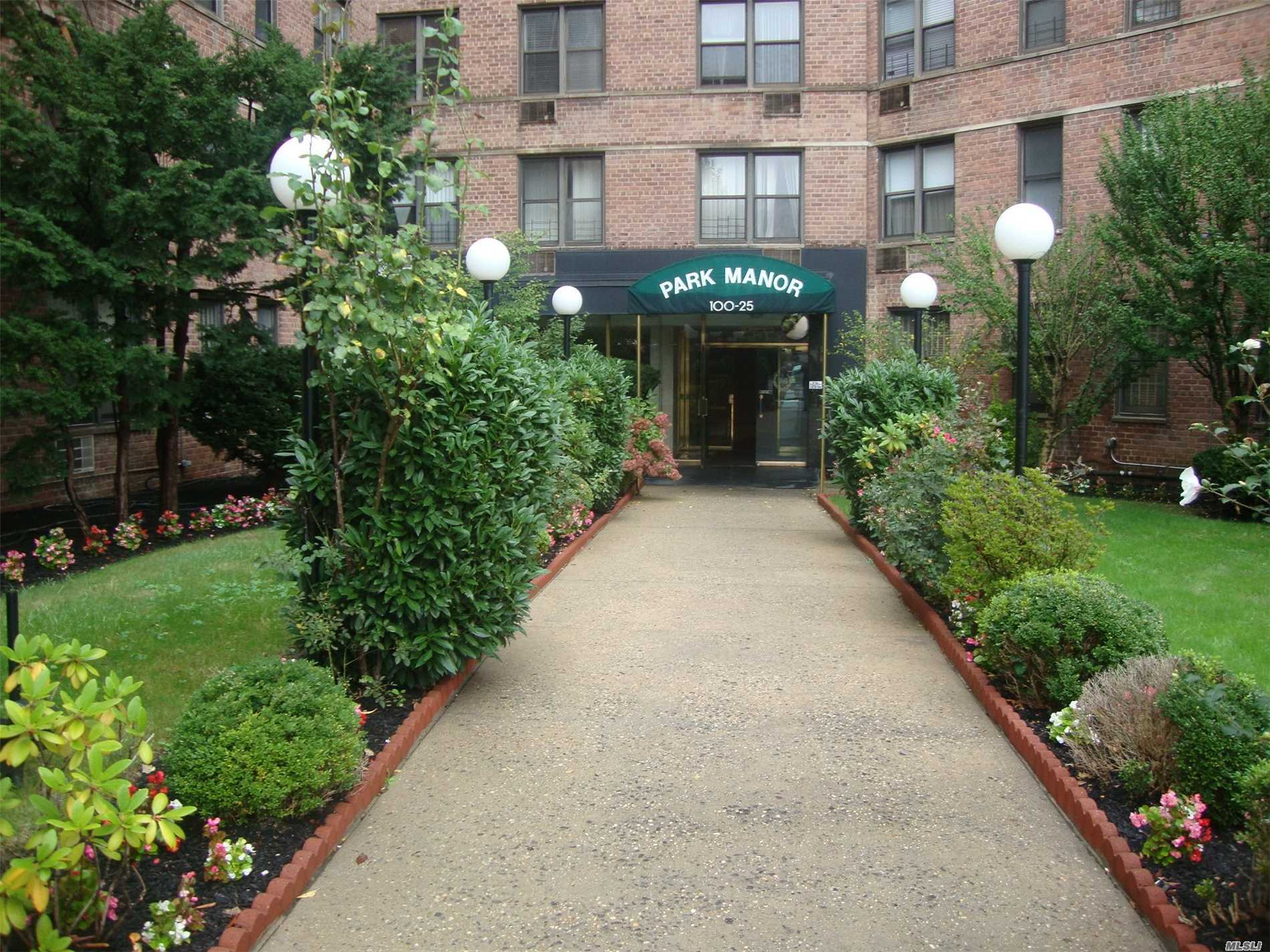One Br Apt With Living And Dining Rooms, Eik. One Full Bath. Hardwood Floors. The Best Location. Close To Subway, Bus Stop, Shopping Center.