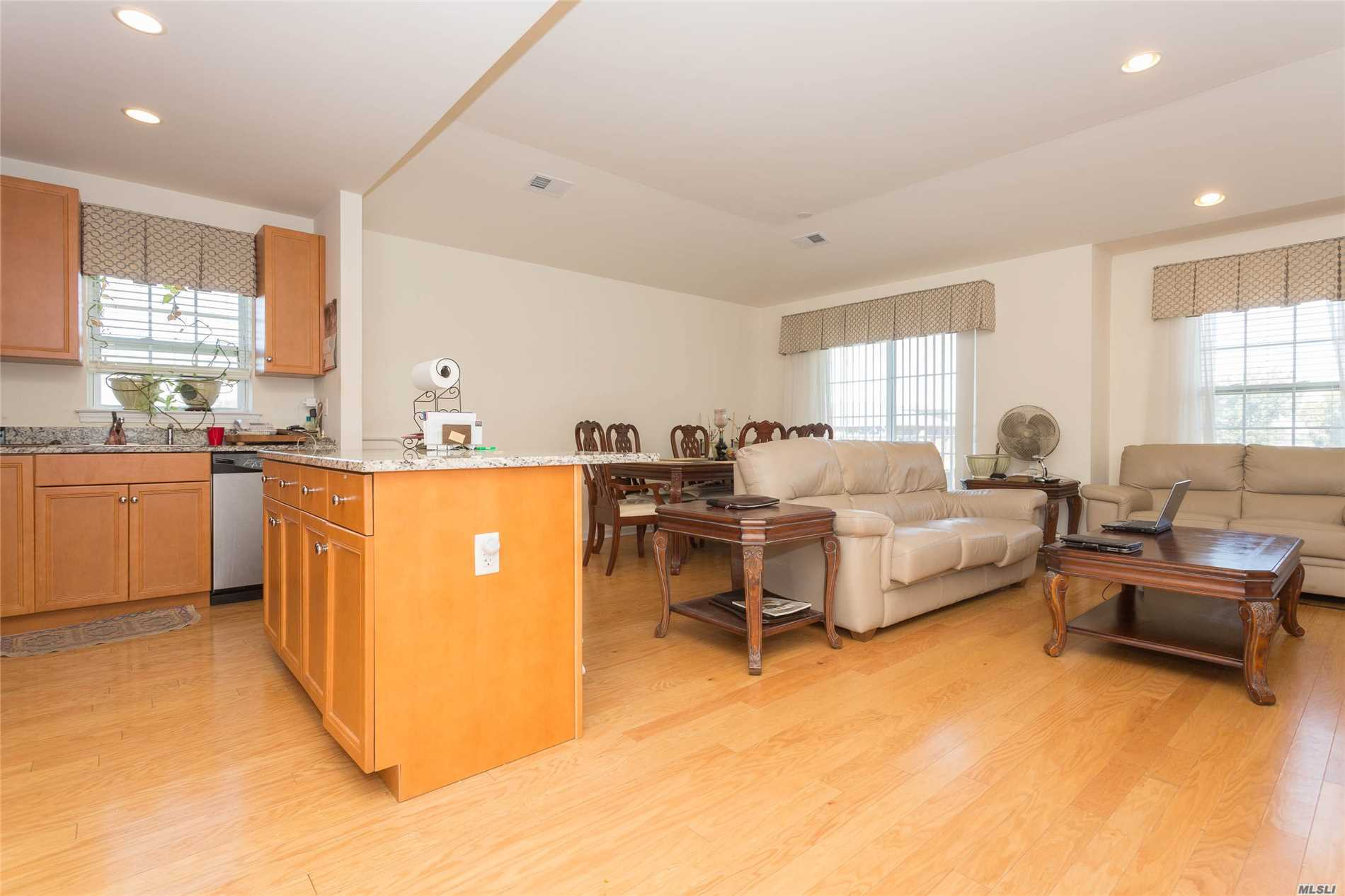Brick, Top Floor, Spacious 2 Bedroom Condo. Approx. End Unit, 1278 Sqft. 2 Bath & Terrace. Possible To Convert To 3 Brs. Views Of River, Promenade, Waterfront Park & Whitestone Bridge. Energy Star Rated. High Ceilings, Hdwd Flrs., Kit W/ Granite Counter Tops, Cac. Quiet Nbhd. Access To 6 Acre Waterfront Park. Pvt Setting, Landscaped Grounds & N/Hood Video Surveillance System. 2 Parking Spcs Incl. 421 A Tax Abatement Discount Reduces Taxes To $686. Near Schools, Transportation & Macneil Park.