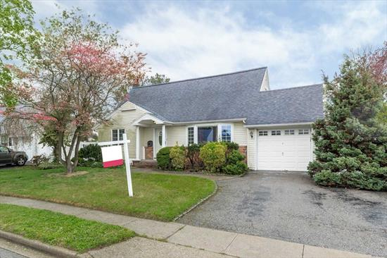 Jericho School District In Westbury Zip-Code, Excellent Condition .totally re-done and Extended about in 2007 .Drive 495 Exit 40 W To Jericho Tpk Then Turn Into This House Neighborhood . Minutes To Bj's /H-Mart / Home Depot / Bank / Kohl's . Ext Cape With 4 Bedrooms 2 Fbth , Finished Basement , Cac, Gas Cooking Stove . Open Kitchen Layout To Huge Family Room With Fireplace . Too Many To List , new backyard pvc fences, NEW REDUCED PRICE , PRICED TO SELL !!! WON'T LAST!!!