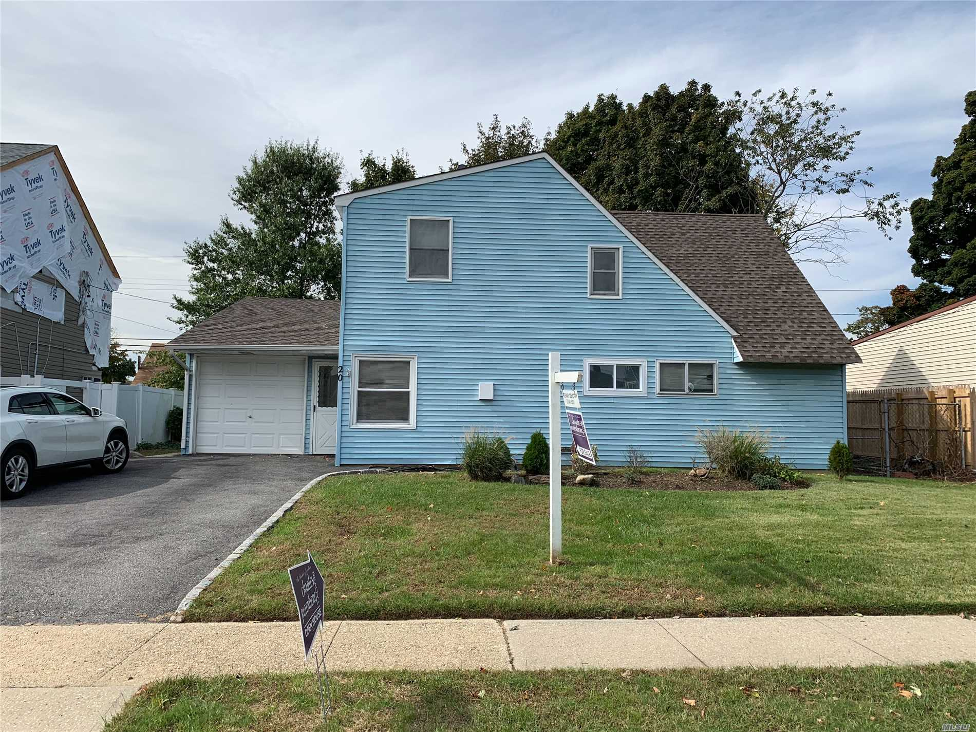 Quiet Mid-Block Location, Nice Curb Appeal !!!! A Must See !!!
