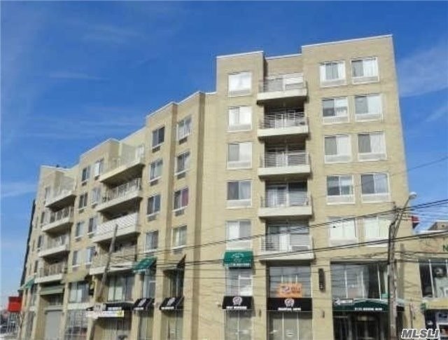 Really Bright, And South Facing Condo. Good Size Bedrooms, Spacious Living Room. Enjoy The Convenience Of The Location. Within Distance Of One Of New York's Many Chinatowns On Grand Ave. Also Near Queens Center Mall. Just Minutes To M, R Trains, Q60, And Q53. Close To Two Major Highways, 495 & 278. Has 16 Years Of Tax Abatement Left.