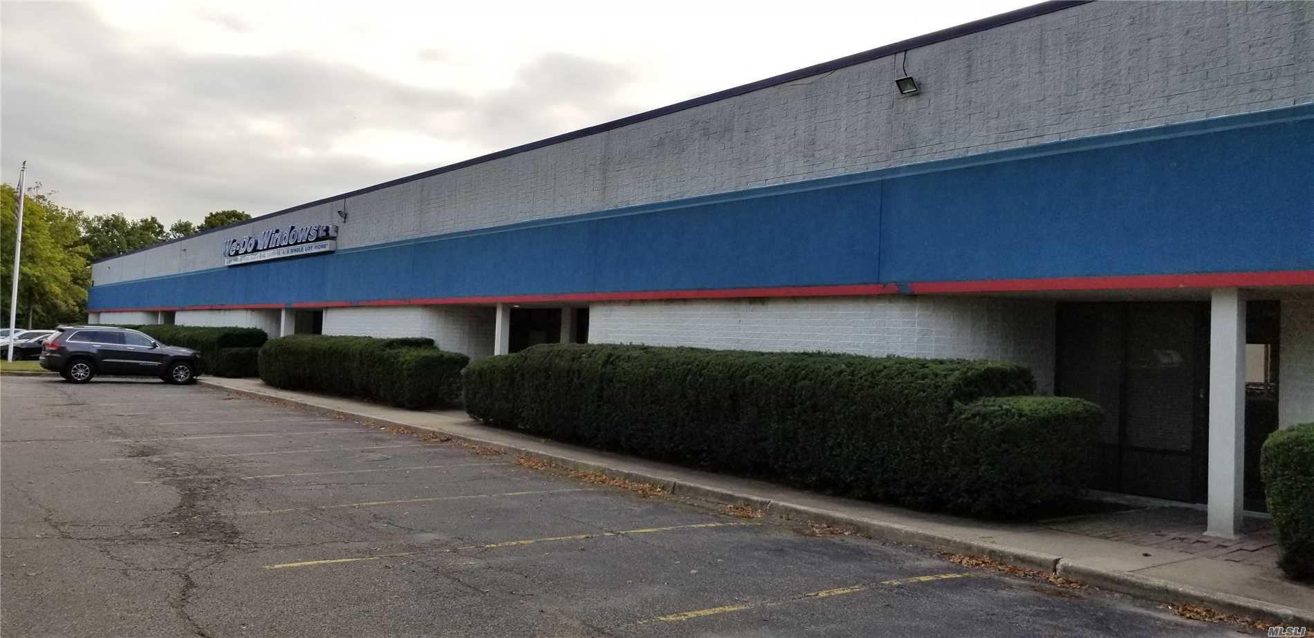 2000 Or 4000 Or 6000 Square Ft Units Available. Corner Of Route 101 Sills Rd And Old Dock Rd. Just About 1/2 Mile From The Long Island Expressway Route 495 @ Exit 66. Easy And Fast Access To Route 27 Sunrise Highway.