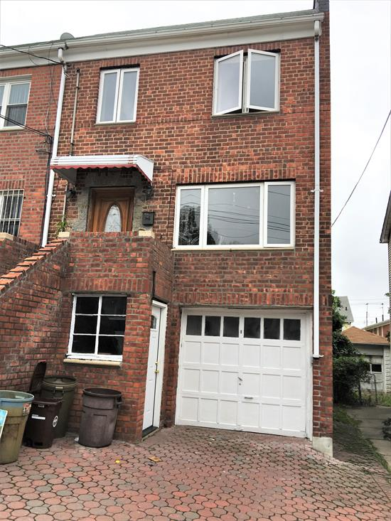 All Brick Starter Home For Sale In Flushing Great For 1st Time Buyers Features 3 Bedrooms, 1.5 Baths, Lr, Fdr, Kitchen, Basement + Yard. Private Attached 1.5 Garage With Driveway. Close To Shopping, Schools, Transportation + Easy Access To Expressway. In District 25. Won't Last!