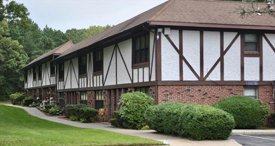 Hidden Meadows 1Br Co-Op. Community Faces State Woodlands Complex Features In-Ground Pool, Tennis Courts And Laundry Rooms. Beautifully Kept Grounds And Maintenance And Snow Plowing Is Done For You. Common Charges Of $625 Also Cover Heat, Taxes And Water. Cats Are Permitted.