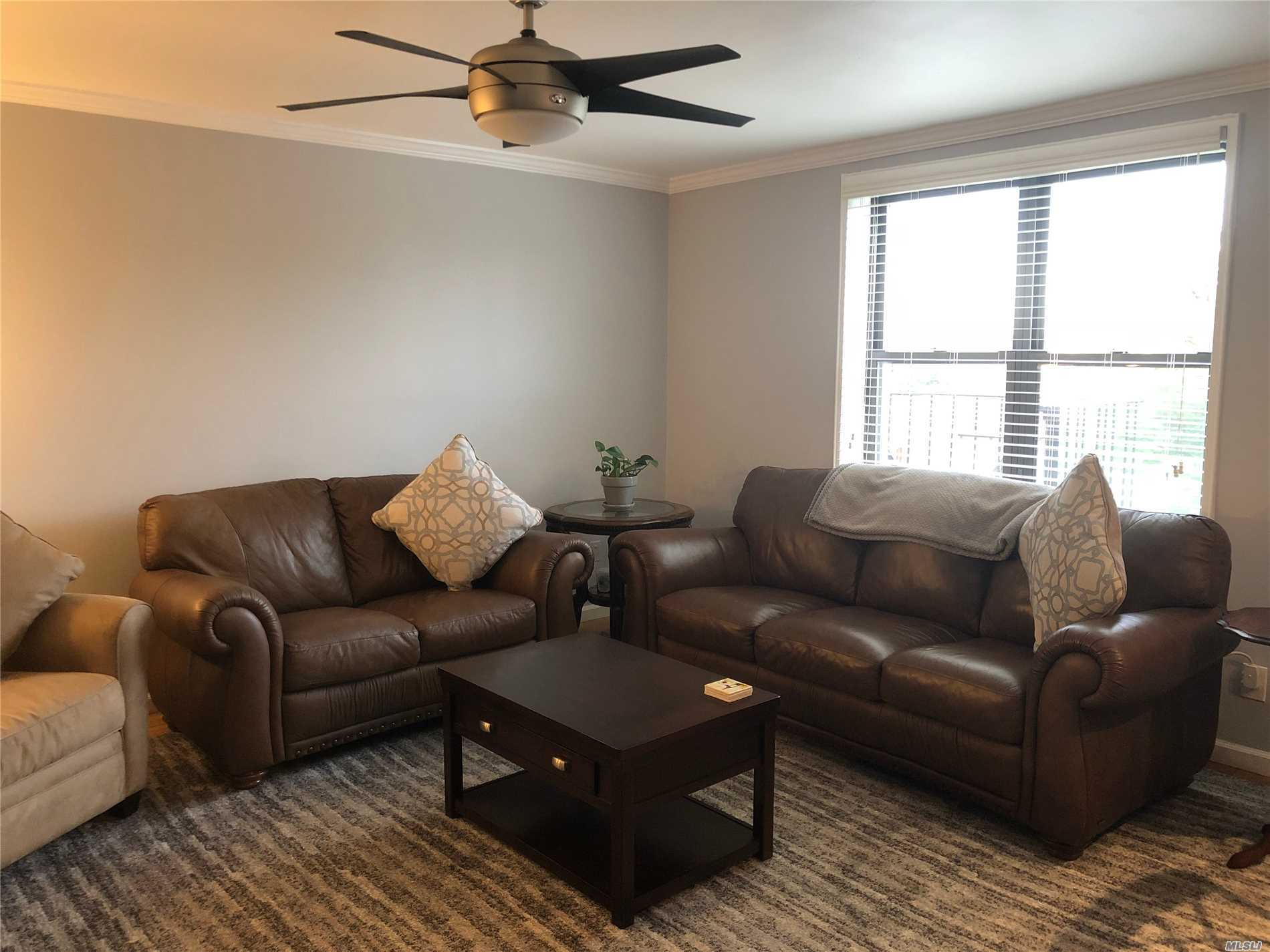 Mint Condition Bright Sunny 1 Bedroom New Stainless Steel Appliances, Eat In Kitchen With Granite Counters That Opens Into Living Room. Extremely Well Kept Building With New Laundry Rooms. Waiting List For Garage. Only 3 Blocks To The Bell Blvd, The Lirr, Buses, Restaurants And Shopping.