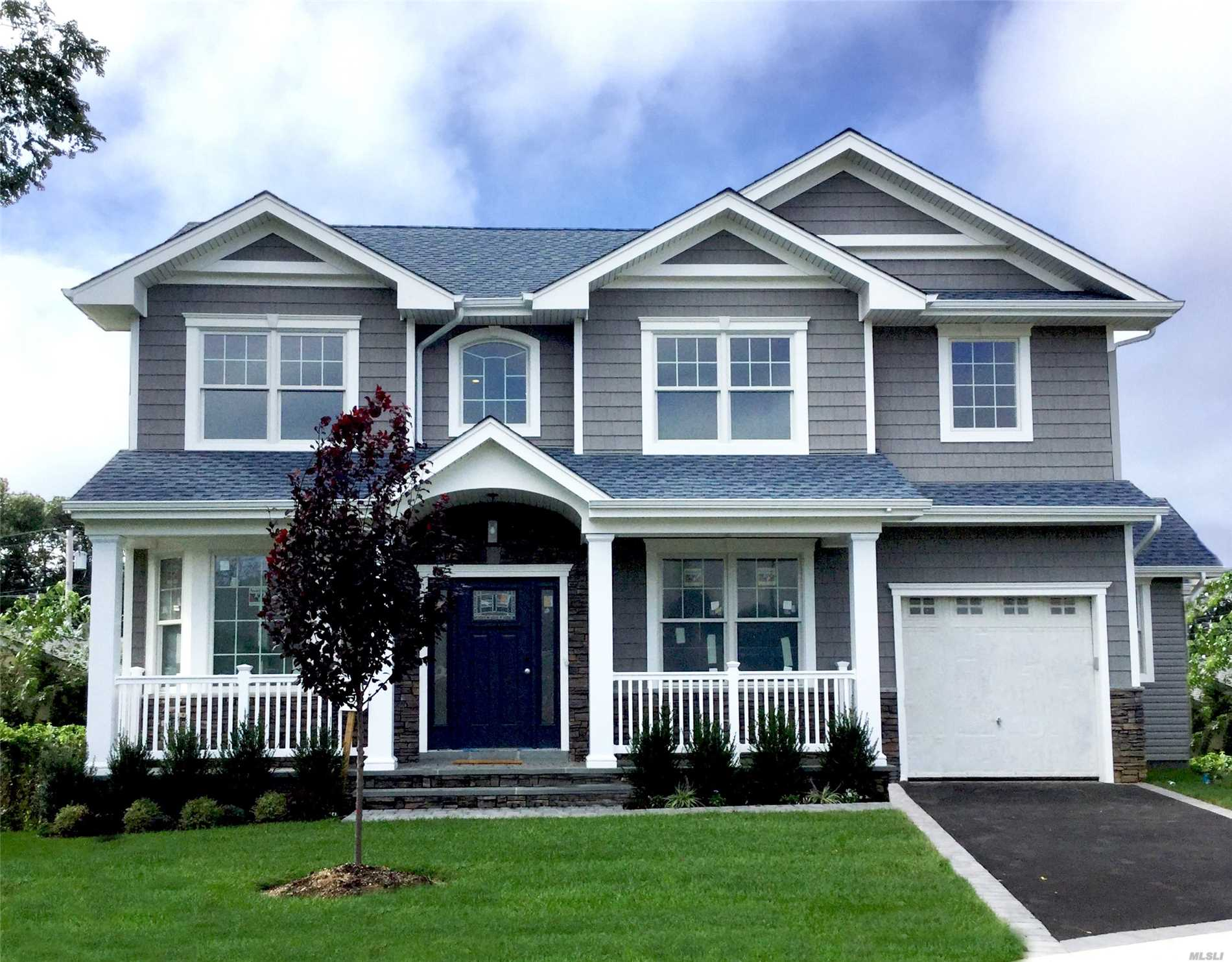 Brand New 4 Bdrm Colonial On Newly Constructed Cul-De-Sac. Beautiful Molding Package & Chefs Eat In Kitchen. Hardwood Floors Throughout. Top Of The Line Finishes,  Plenty Of Closet Space. 9 Ft. Ceilings In Full Basement.