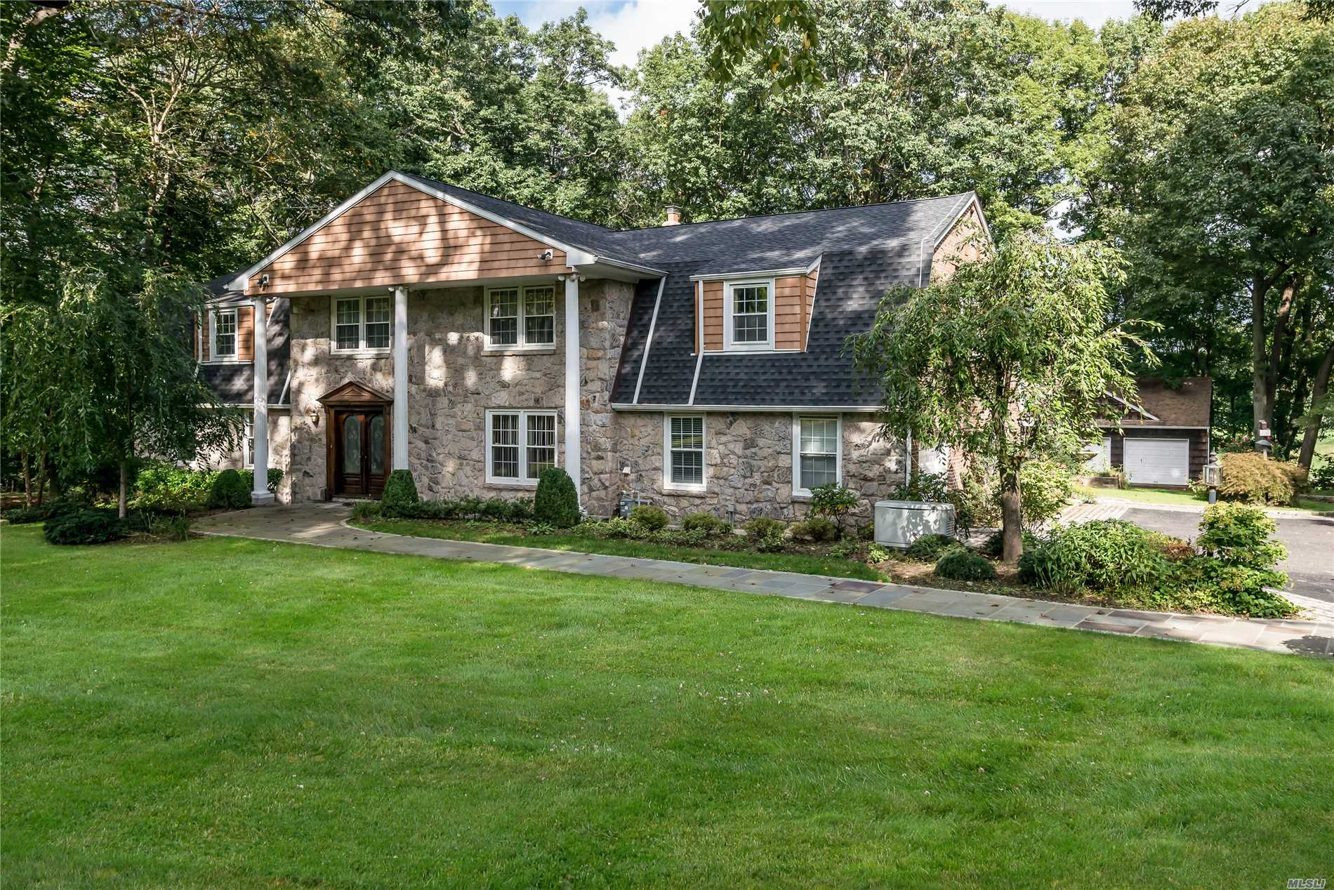 Custom Built Colonial Offers All The Features Today's Buyers Desire. Spacious Rooms Throughout With The Most Amazing Kitchen & Great Room Overlooking Spectacular Views Of Golf Course, Nestled On 2.25 Private Acres Abutting Engineers Country Club.This Location Is Quiet Yet Very Convenient To Everything, Close Proximity To Greenvale Train Station.