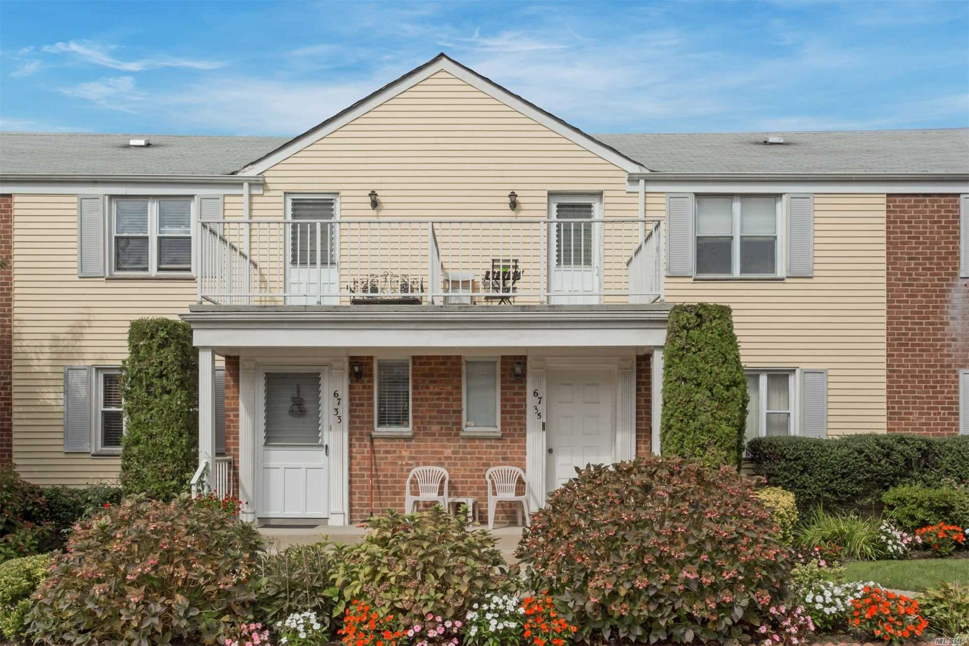 Oversized 1Br/Possible 2nd Bedroom And 2nd Bath Prime Cul-De-Sac 1st Floor Reserved Parking Spot 180 Steps From Unit 2 Blocks To Alley Pond Park (Dog Run)