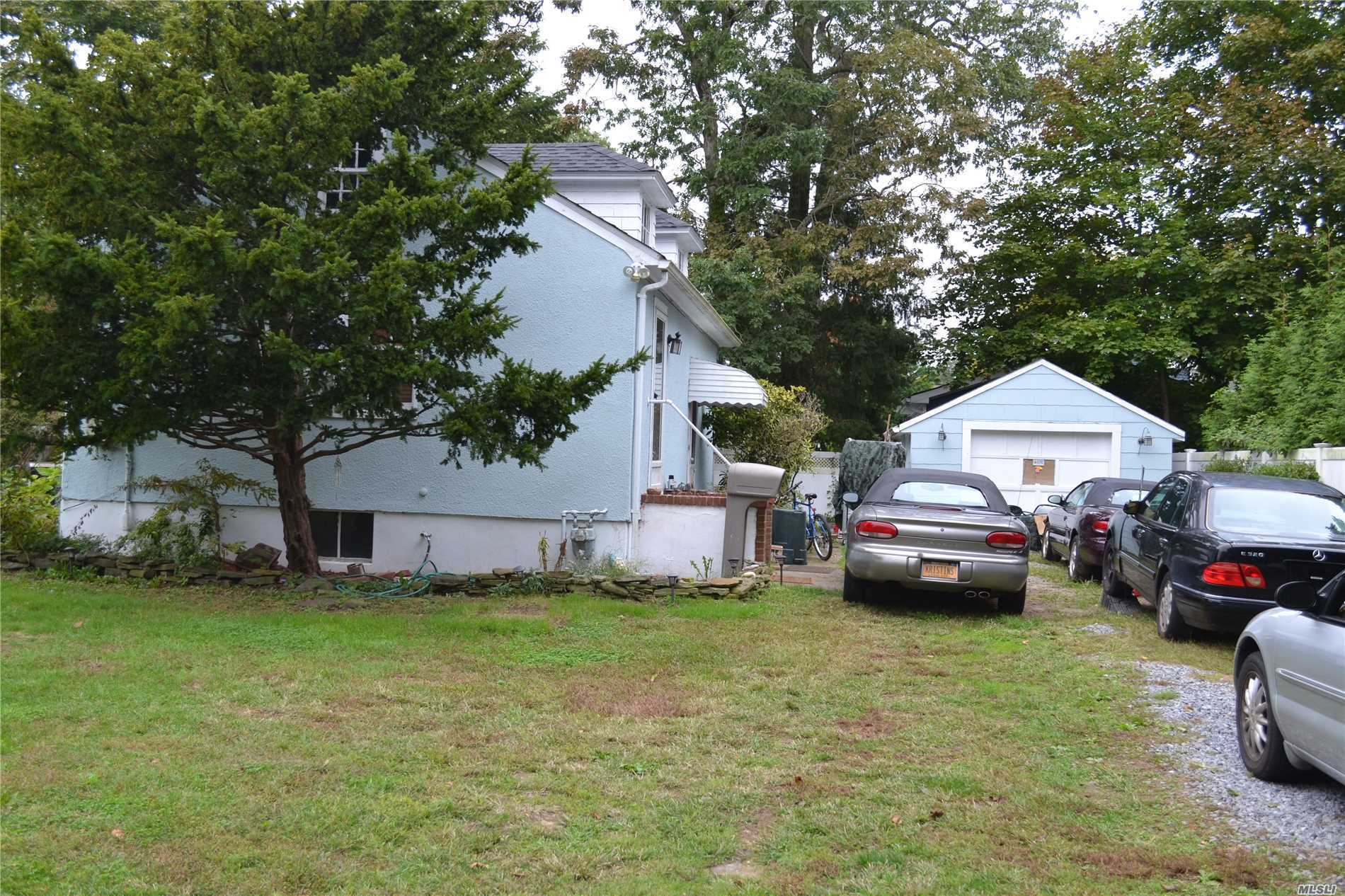 Nice 1 Bedroom South Of Montauk Huge Plot Possible Anything!