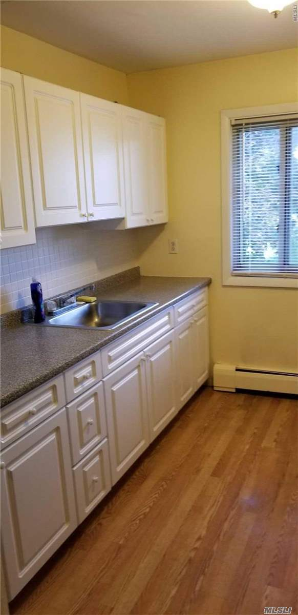 Largest 1 Bedroom In Islip. 2nd Floor. Huge Rooms, Mr. Clean Lives Here! Beautiful Redone Hardwood Floors, Excellent Condition. Including King Bedroom, Large Galley Kitchen, Great Amenities, Pool, Gym, Clubhouse. Excellent Location Close To Laundry, Parking, Super Pet Friendly. Why Rent When You Can Own For Less. Will Not Last!!