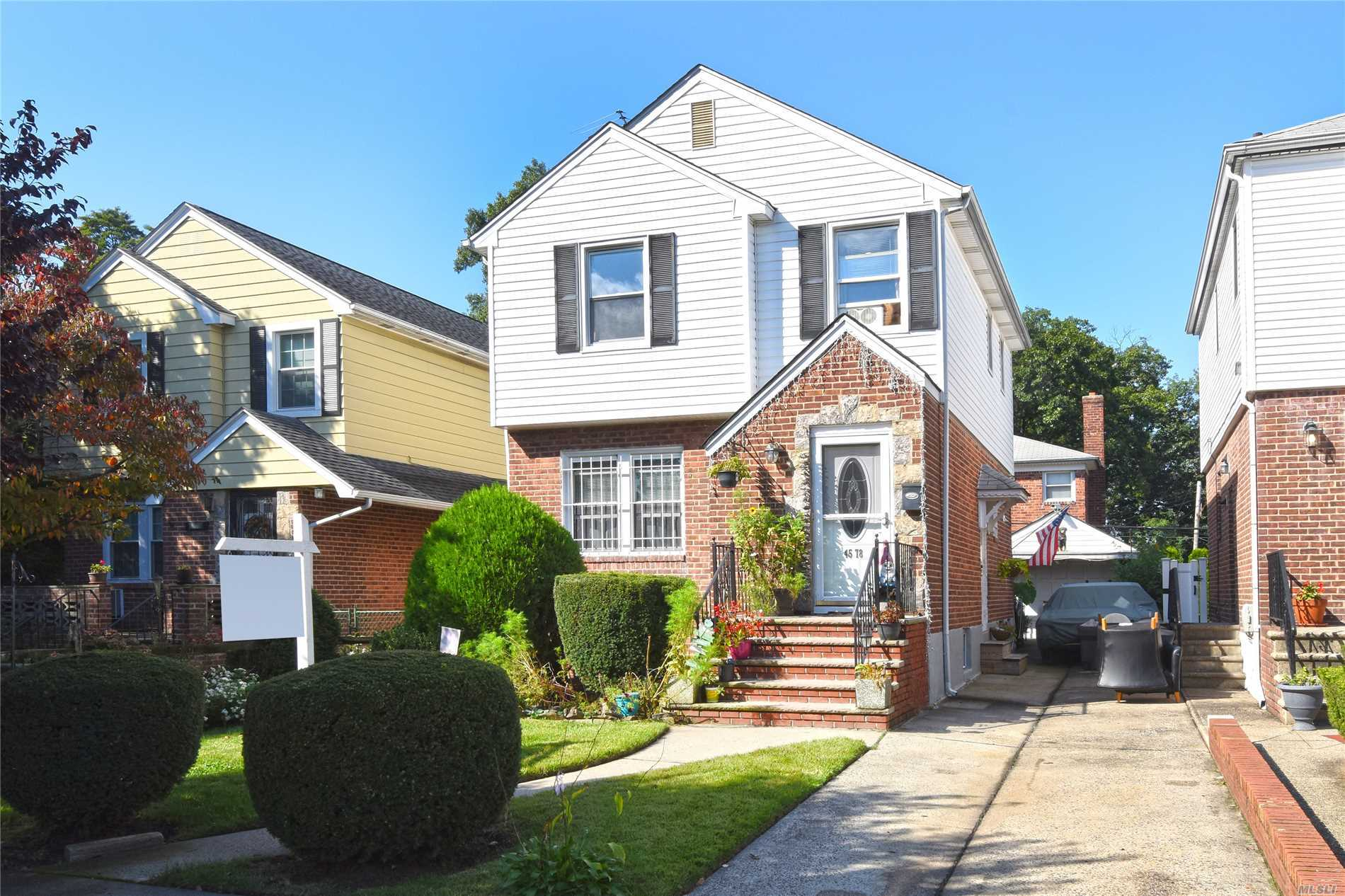 Lovely Detached Colonial Conveniently Located To Shopping & Transportation - Q27 To Main Street #7 Train. Updated Electric And New Boiler. Must See! S.D.26: P.S.107, I.S.25, Francis Lewis H.S.