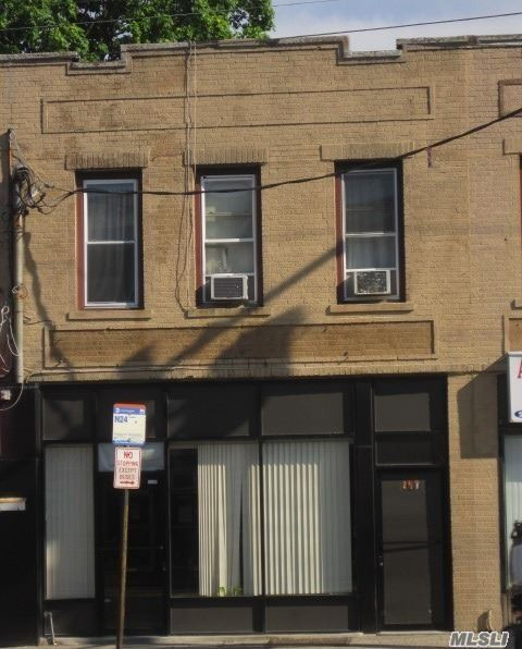 Great Storefront In An Ideal Location. Close To Transpiration And All Amenities.
