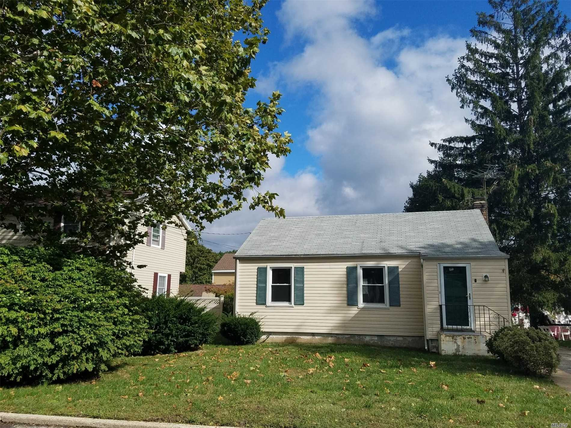 Charm Abounds In This Circa 1938 Warm & Inviting Classic Cottage. Formal Living Room, 2 Bedroom, 1 Bath, Hardwood Floors, Walk-Up Attic, Full Basement W/Utilities And Laundry. New Windows & Siding. 1-Car Detached Garage & Beautiful Rear Yard.