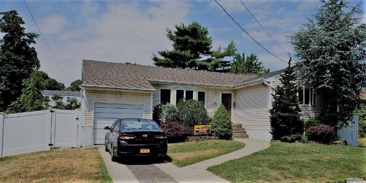 3 Bedroom Ranch With 2.5 Baths - Lr - Dining - Large Kitchen - Family Room - Full Finished Basement With High Ceilings. Bright And Sunny A Great Home -- With A Large Deck Off Back Of House.