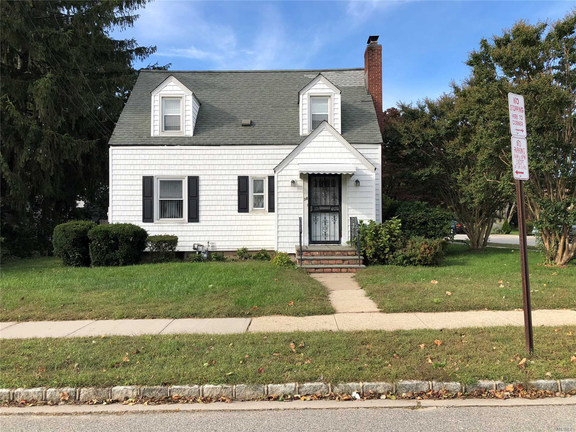 3 Br, 1.5 Bath, Full Finished Basement, Cape House. Car Garage Not Included.