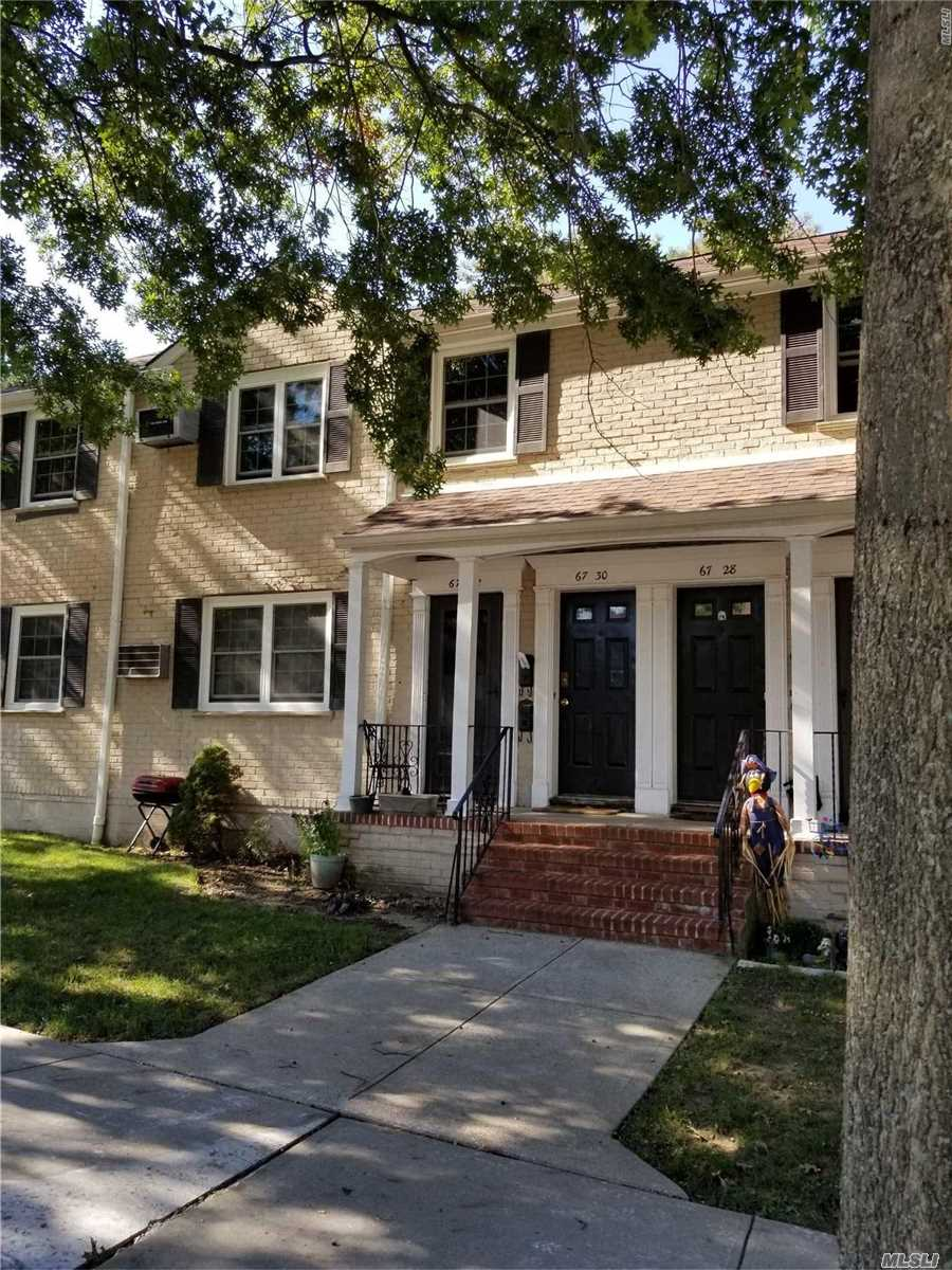 Very Attractive, 2nd Floor Large Two Bedroom Co-Op Apartment For Rent. Features Large Living Room. Large Master Bedroom. Nice-Sized 2nd Bedroom. Ultra Modern Eik & Full Bath. Sd#26. Close Proximity Local & Express Buses & Shopping. Garage Available For Additional Monthly Charge.