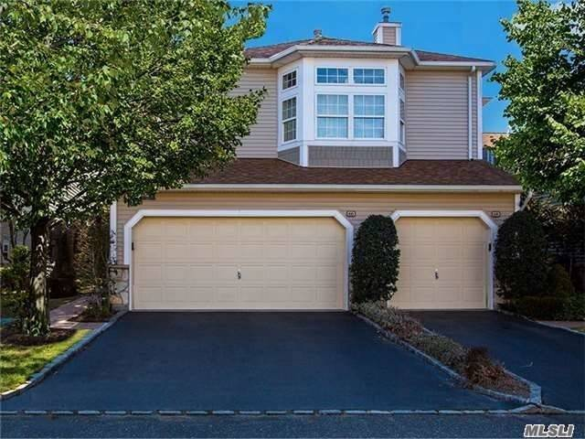 Beautiful 2-3 Bedroom 2.5 Bath Condo. In Gated Community. Model: Upper Amagansett End Unit.Can Accomodate Elevator. Featuring Large Living Room/Dining Room, Eat In Kitchen Which Opens To Family Room With Southern Exposure Deck. Wood Flooring, Panoramic Windows, Vaulted Ceilings And Crown Molding. Laundry Room.2 Car Garage.2320 Square Feet! Community Boasting Resort Amenities. Indoor/Outdoor Pools, Health Club. Lakeview Restaurant And More! Sd#4 Plainview/Ob