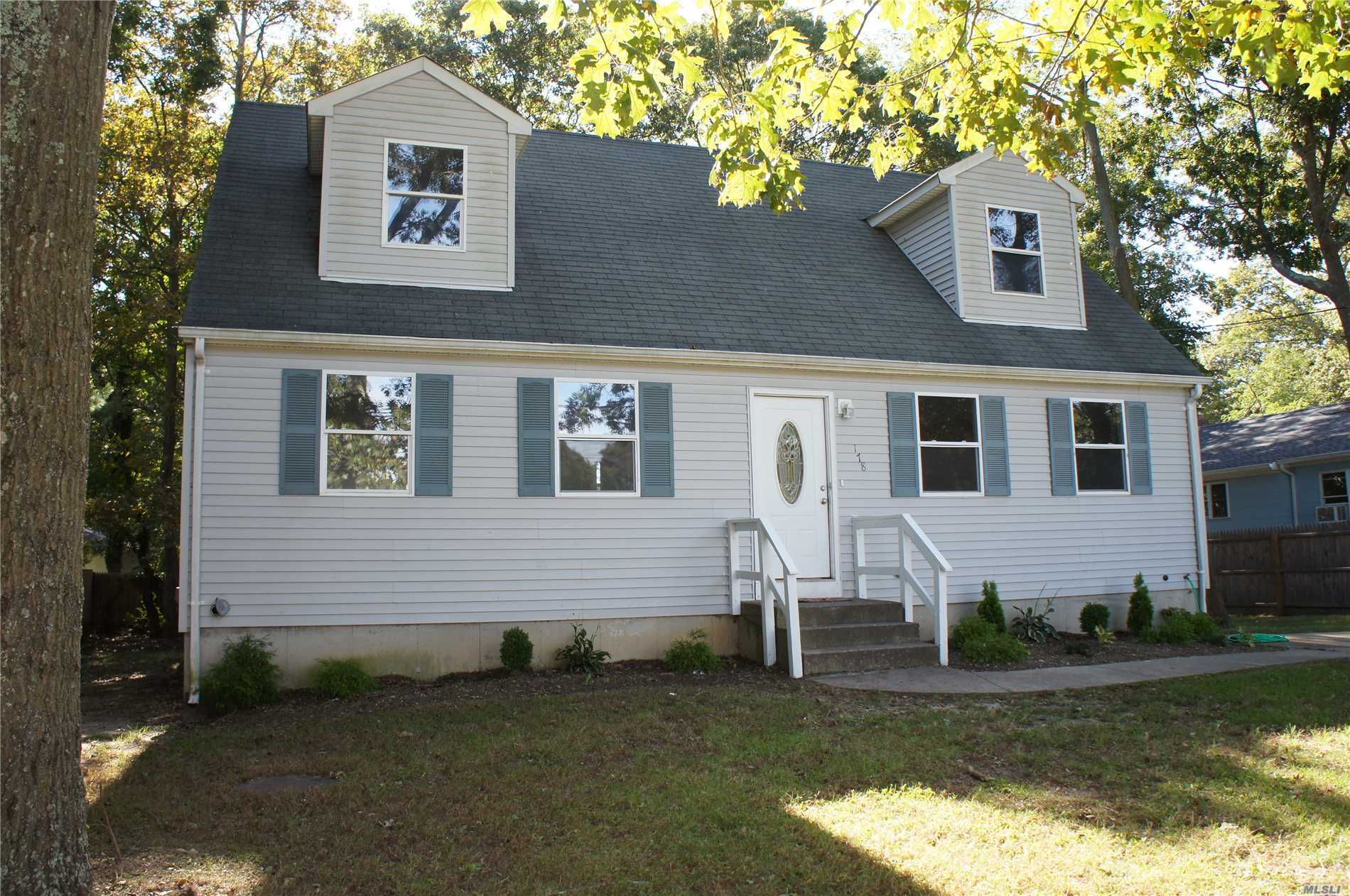 Cape Featuring 4 Large Bedrooms, 2 Updated Full Bathrooms, Large Eik W/Newer Counter Tops And Cabinets, Newer Floors, Kitchen Counter Tops And Cabinets, Newer Flooring Throughout. Large Basement W/High Ceilings. Burner Only 2 Years Young! Endless Possibilities! Close To All. Close To Fishing, Boating, Beaches, Parks, Shopping And Transportation.